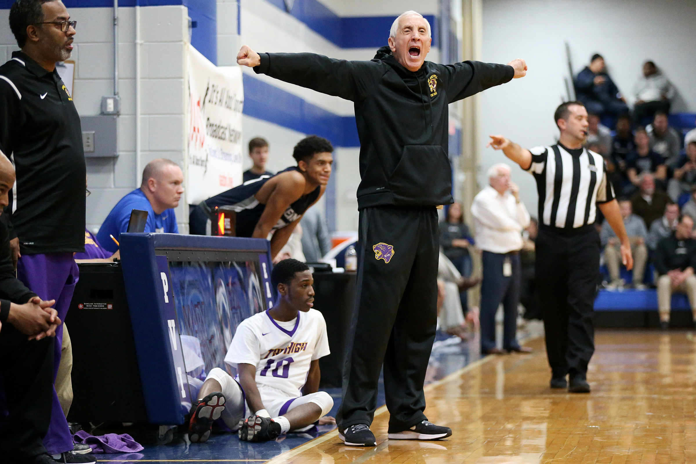 John Valore´s teams went 118-36 and won four South Jersey titles in five seasons at Camden.