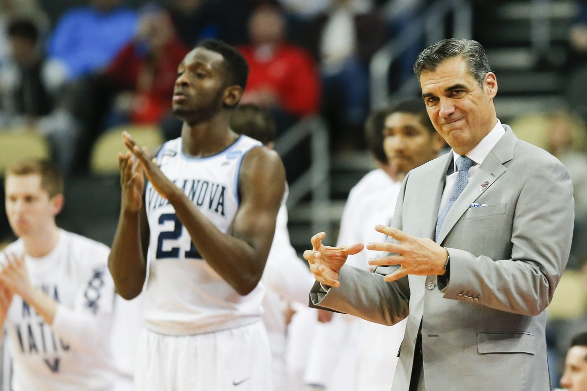 Villanova head coach Jay Wright signals to his team against Radford during the first round of the NCAA Men´s Basketball Tournament on Thursday, March 15, 2018 at PPG Paints Arena in Pittsburgh.