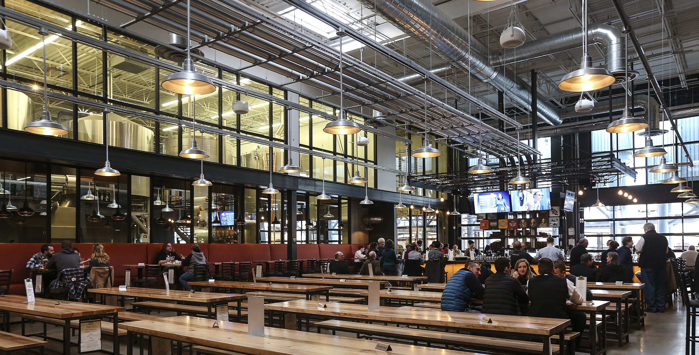 The Taproom at the new Yards Brewing Co. can seat 280-plus diners and offer clear views of the production floor.