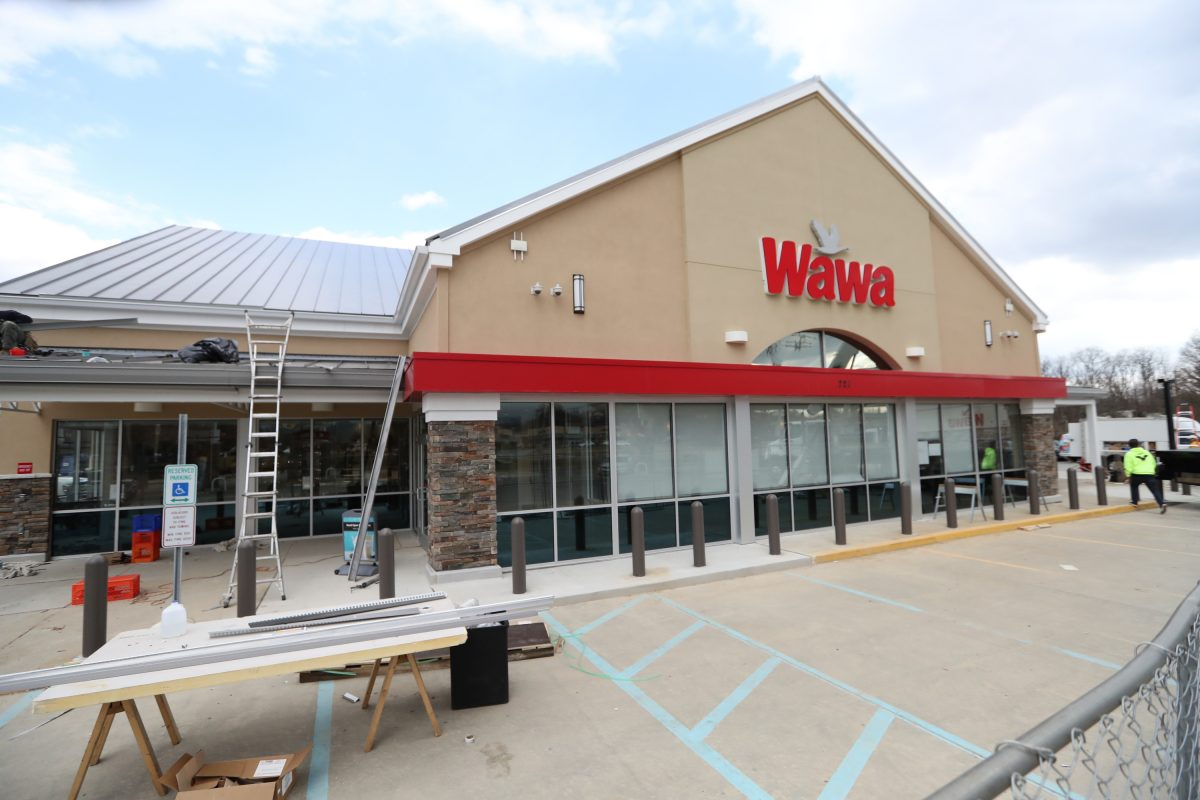 File Photo: Wawa was preparing to sell beer in Concord Township store in Feb. 2017. The first Wawa in the state to sell beer, it was re-fitted with a 30-seat restaurant to meet the state requirements.( DAVID SWANSON / Staff Photographer )