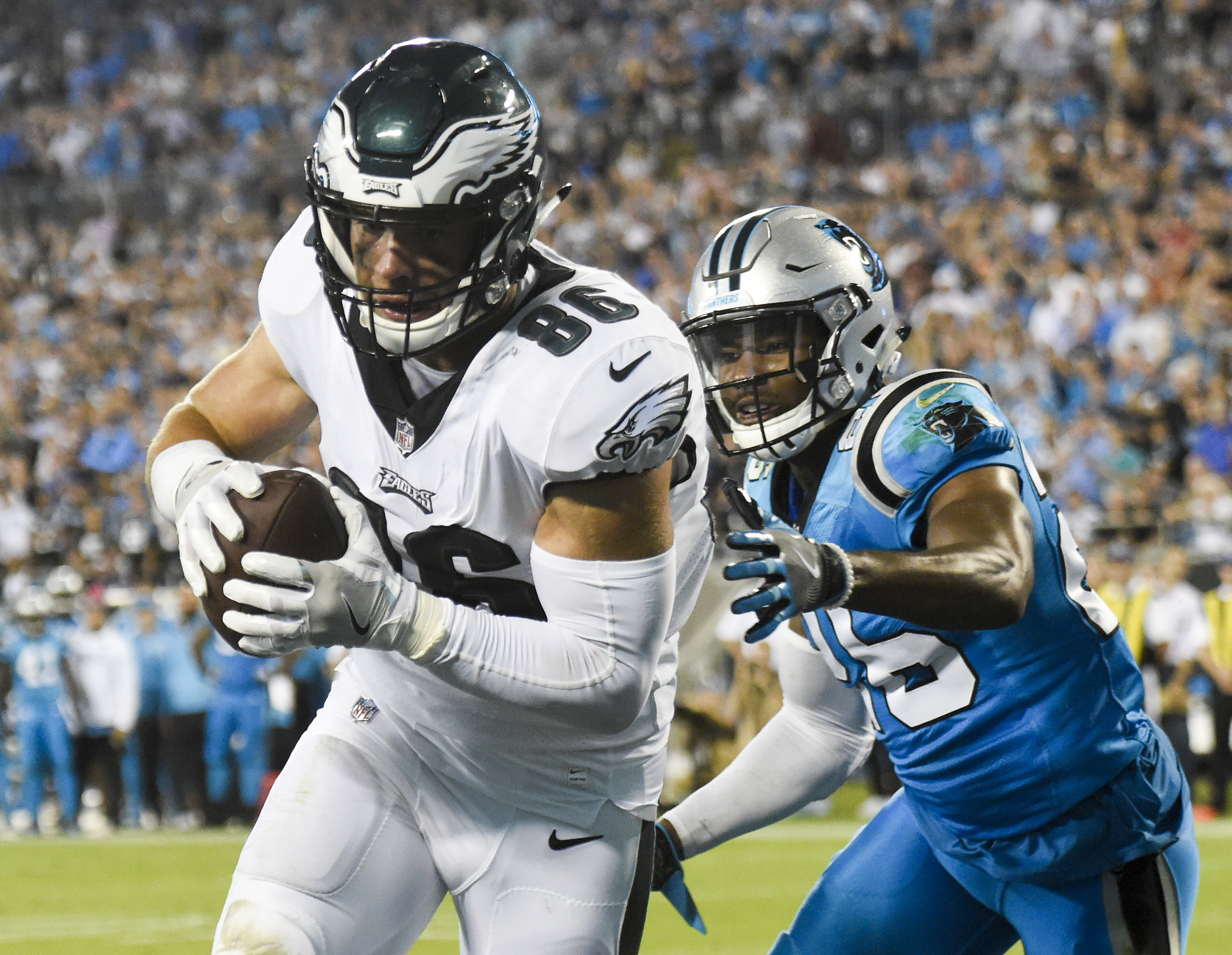 Eagles tight end Zach Ertz caught two touchdowns, one against new teammate Daryl Worley, in the Eagles´ 28-23 victory over the Carolina Panthers in October.
