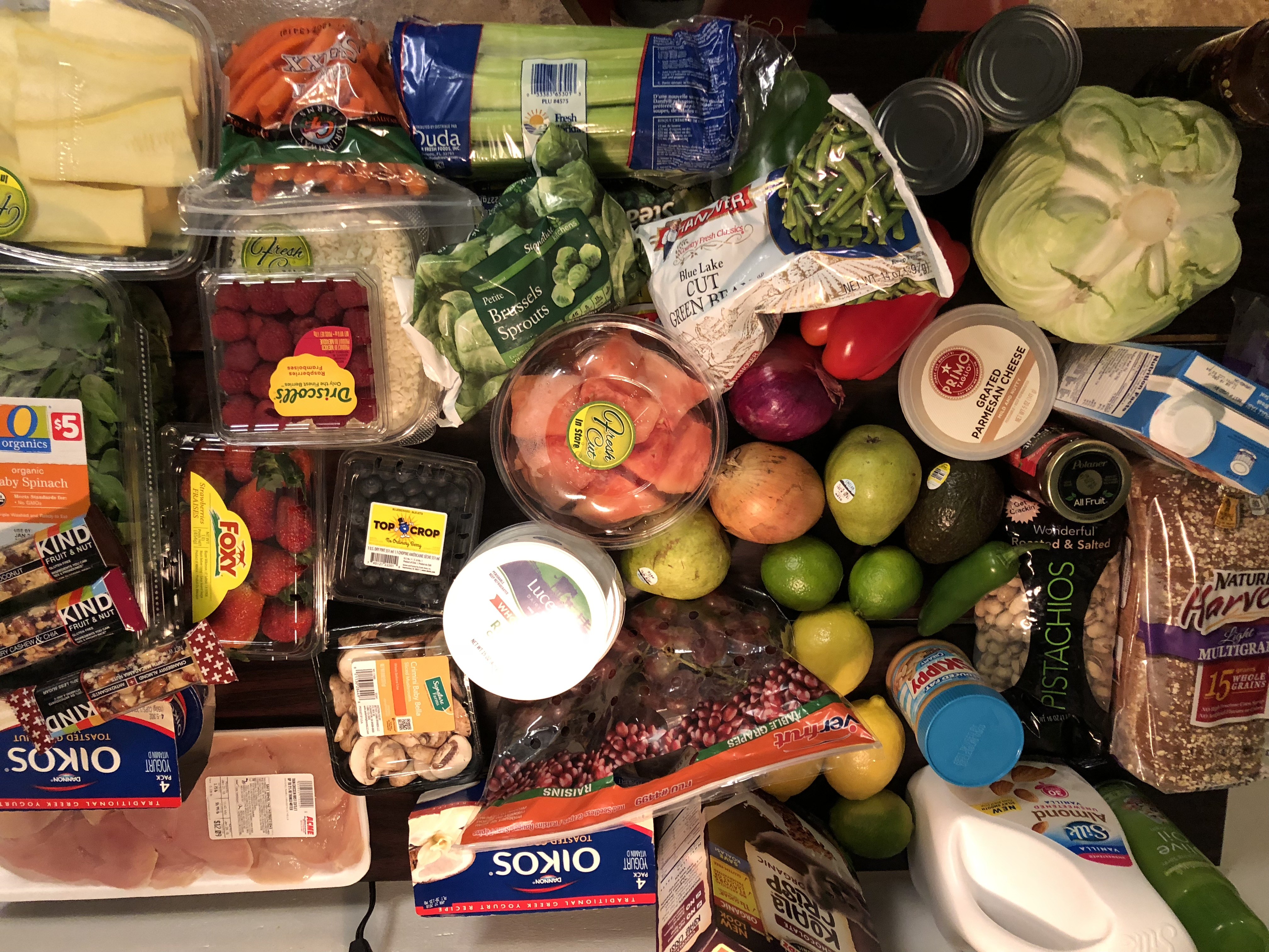 """""""Meal prep is essential. Choose foods that you enjoy and that make you feel good,"""" nutritionist Olena Zinshtein explains."""