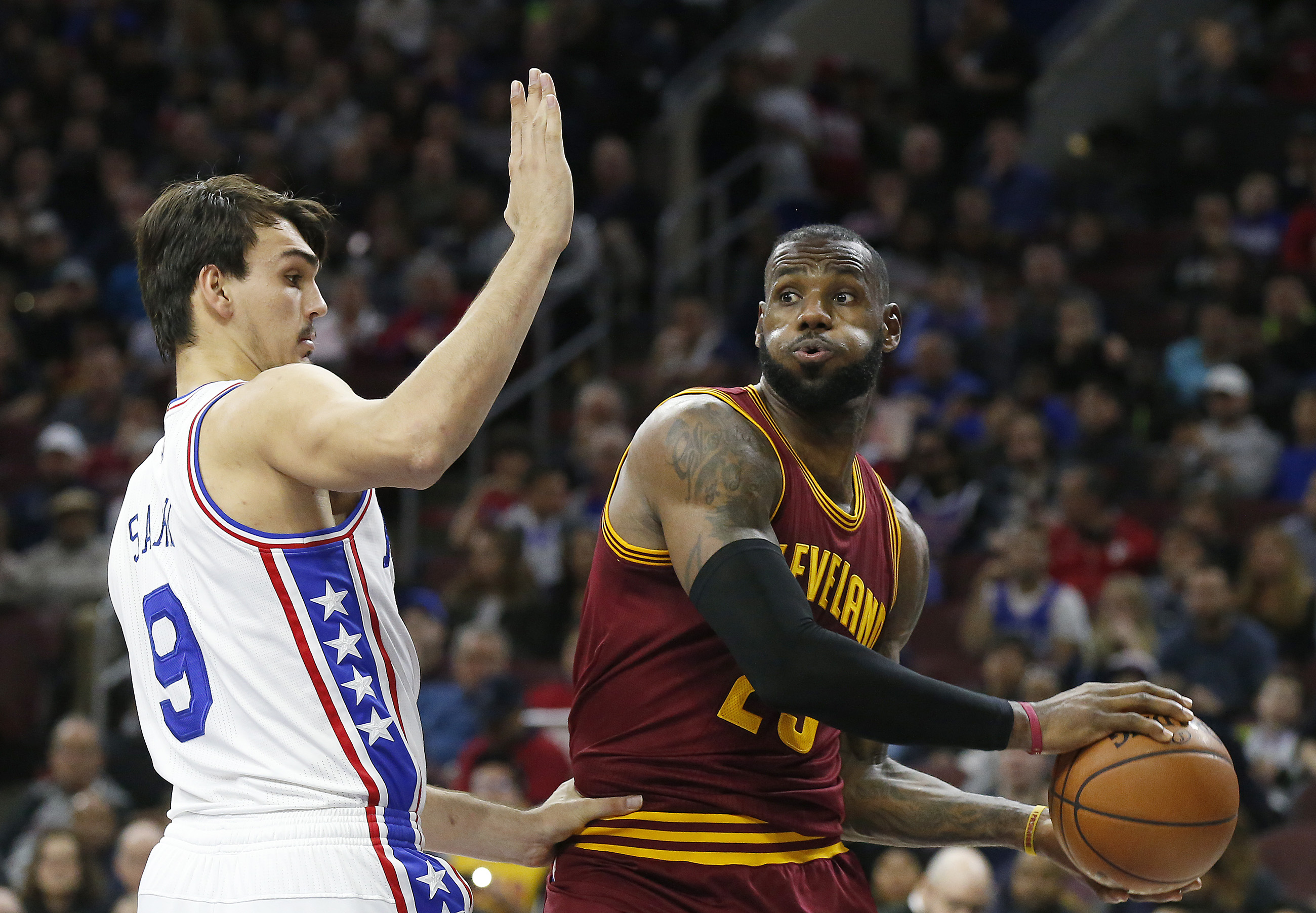 Sixers´ forward Dario Saric defends LeBron James last season. Saric should be available to play against the Cavs on Friday after missing two games with an infection.
