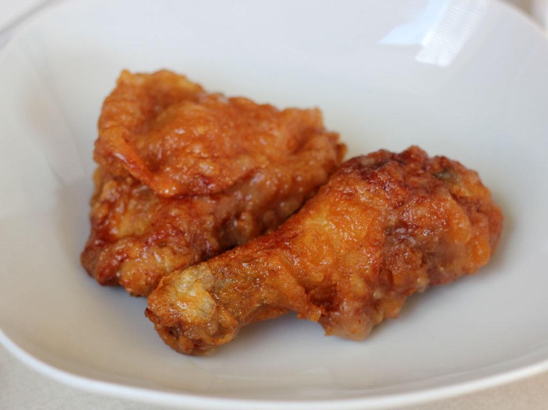 "Honey garlic ""KFC"" from Andy´s Chicken, 2001 Memphis St"