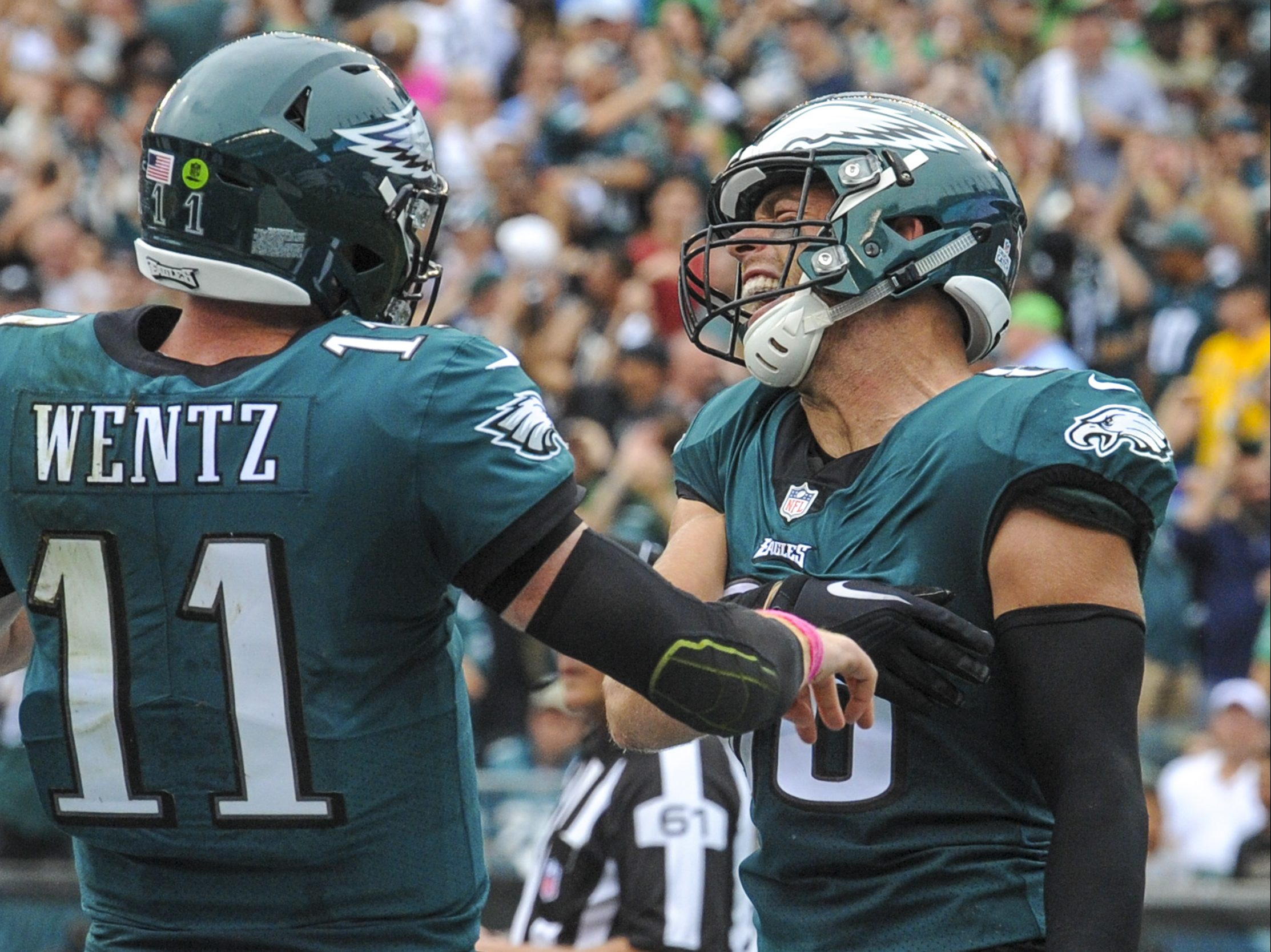 Zach Ertz and Carson Wentz celebrating after a touchdown pass against the Cardinals this past season.