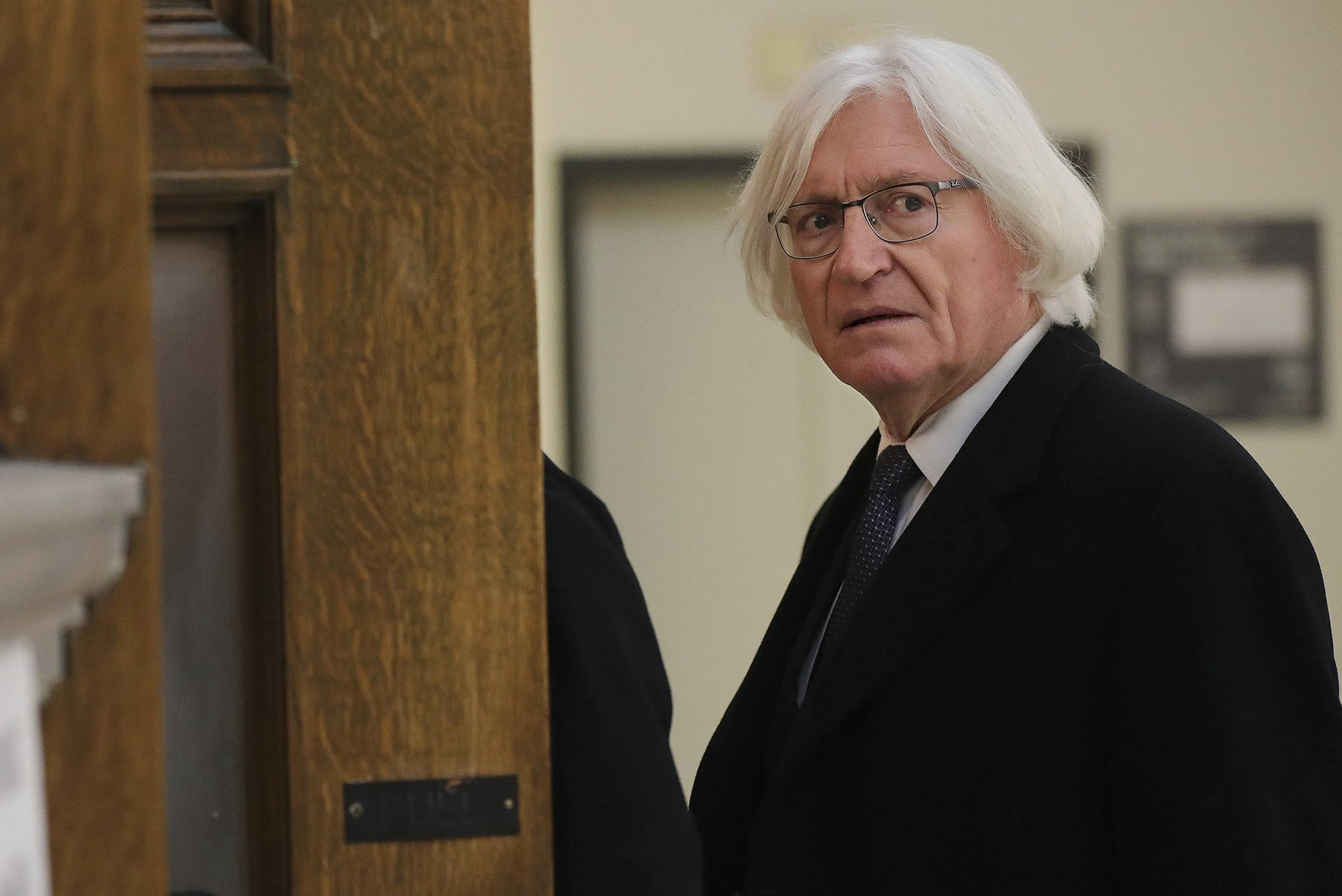 Tom Mesereau, lawyer for actor and comedian Bill Cosby, arrives for Cosby´s sexual assault retrial at the Montgomery County Courthouse in Norristown, Pa., on Tuesday, April 10, 2018.