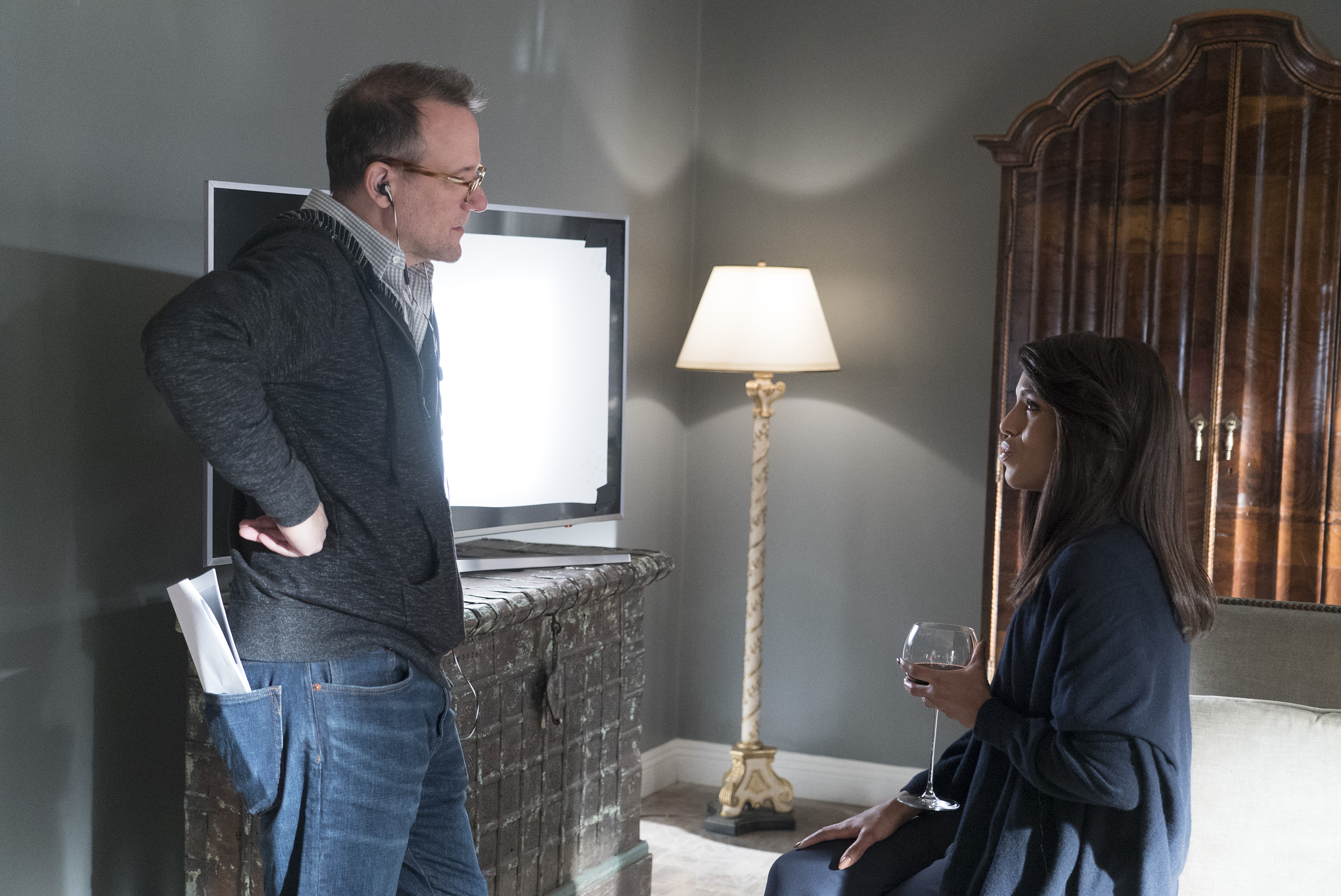 Tom Verica and Kerry Washington on Scandal finale set