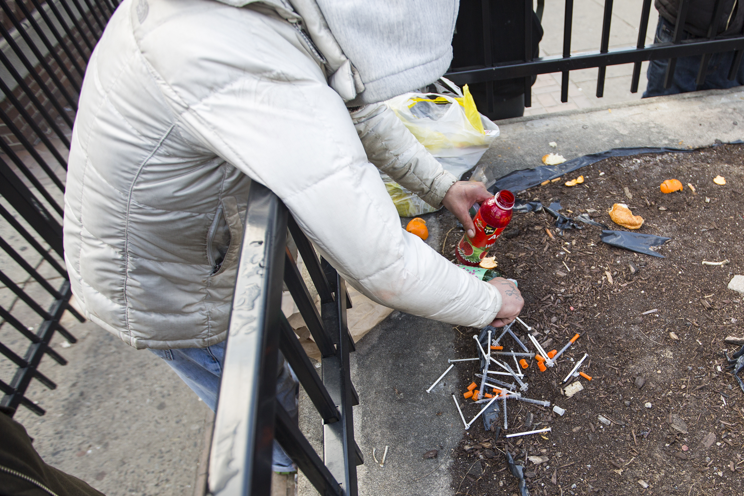 Peter LaRosa showing the needles he collects on the ground and near Camden parks, in order to exchange them for new ones in Philadelphia.
