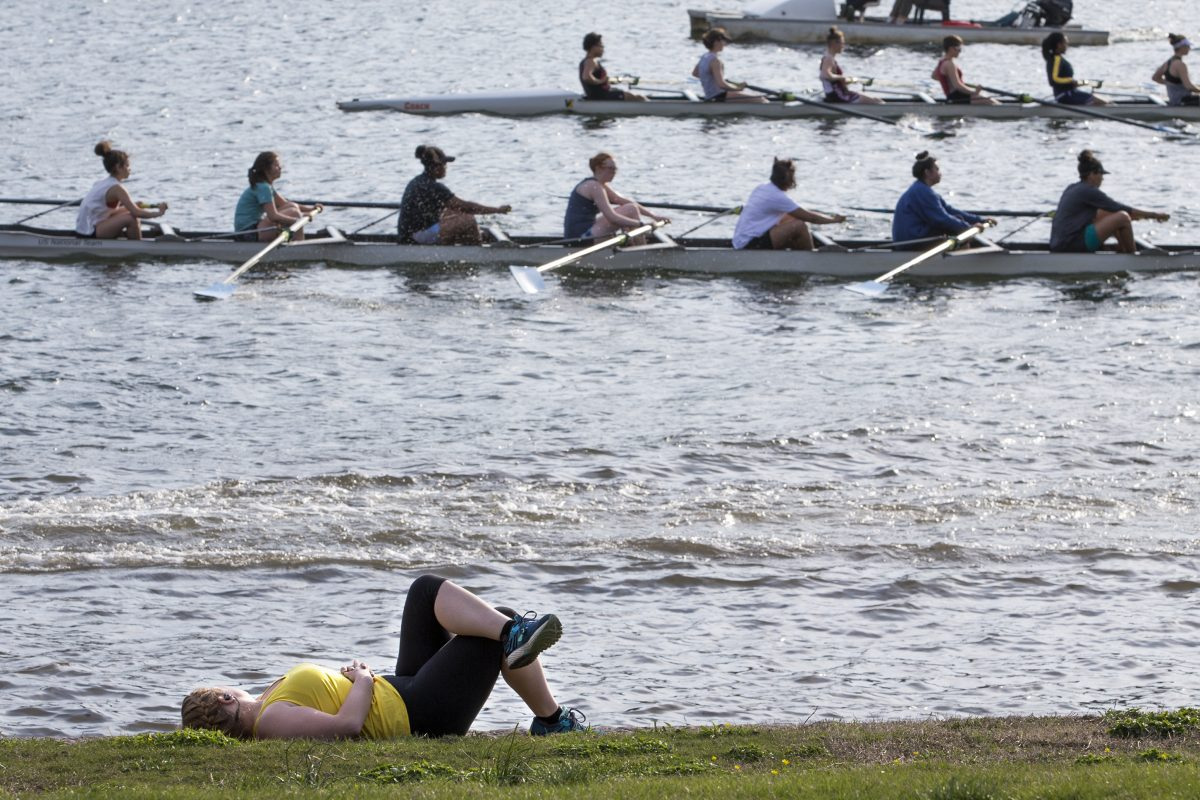 Rowers make their way along the Schuylkill.