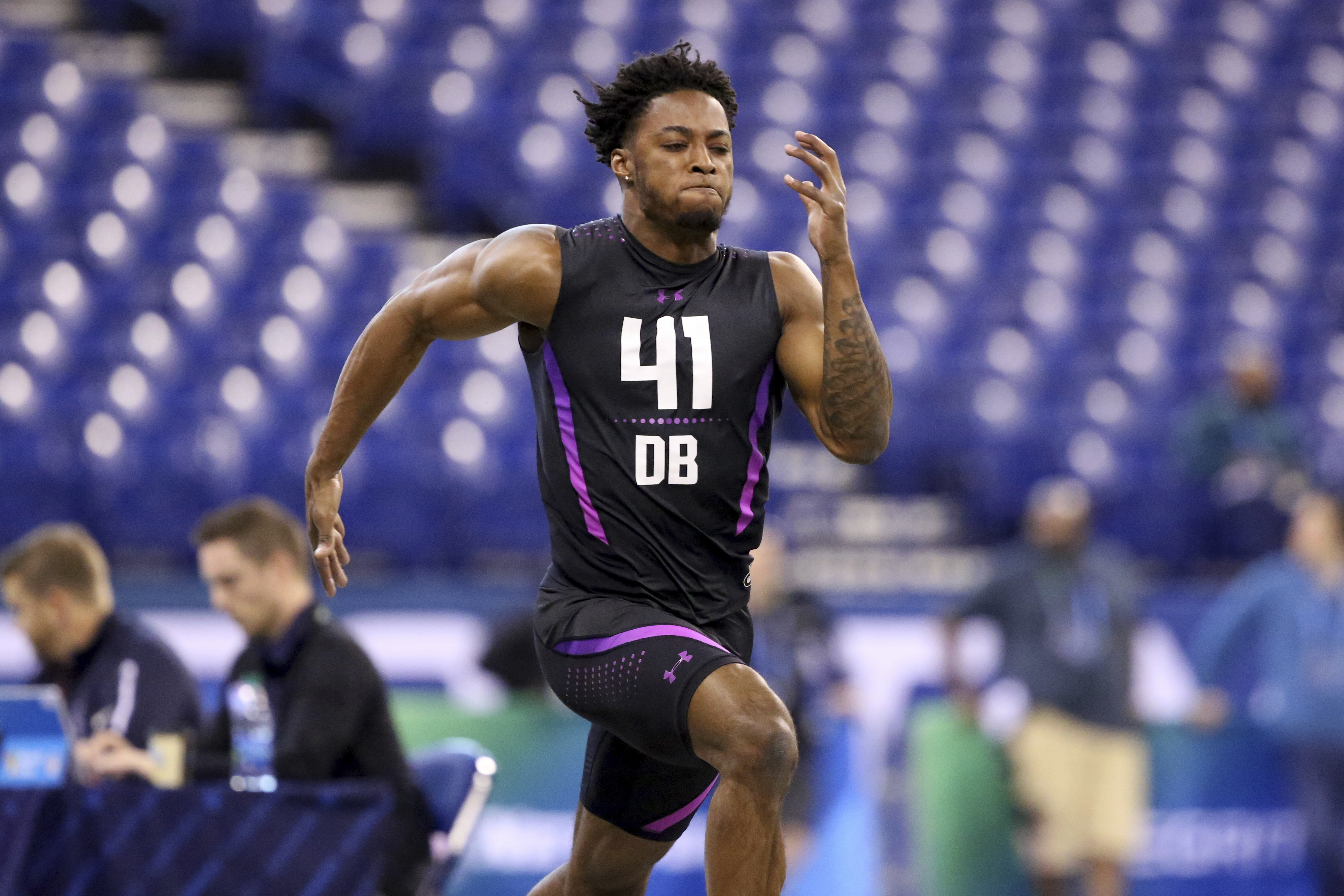 Ohio State´s Denzel Ward running the 40-yard dash at the NFL combine.