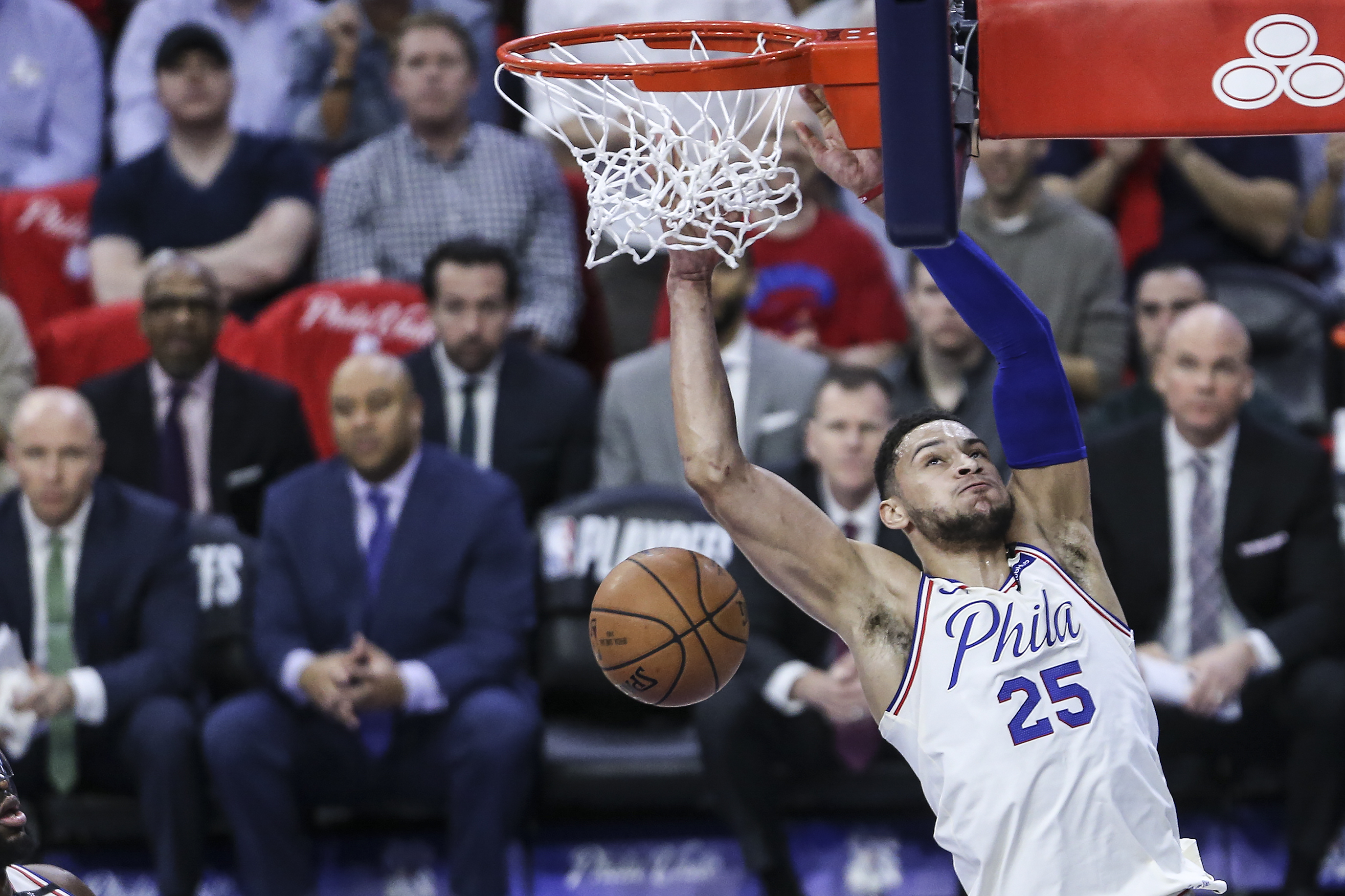 Sixers´ Ben Simmons dunks against the Celtics during the 1st quarter of Game 4 of the 2018 Eastern Conference Semifinals at the Wells Fargo Center in Philadelphia, Monday, May 7, 2018.