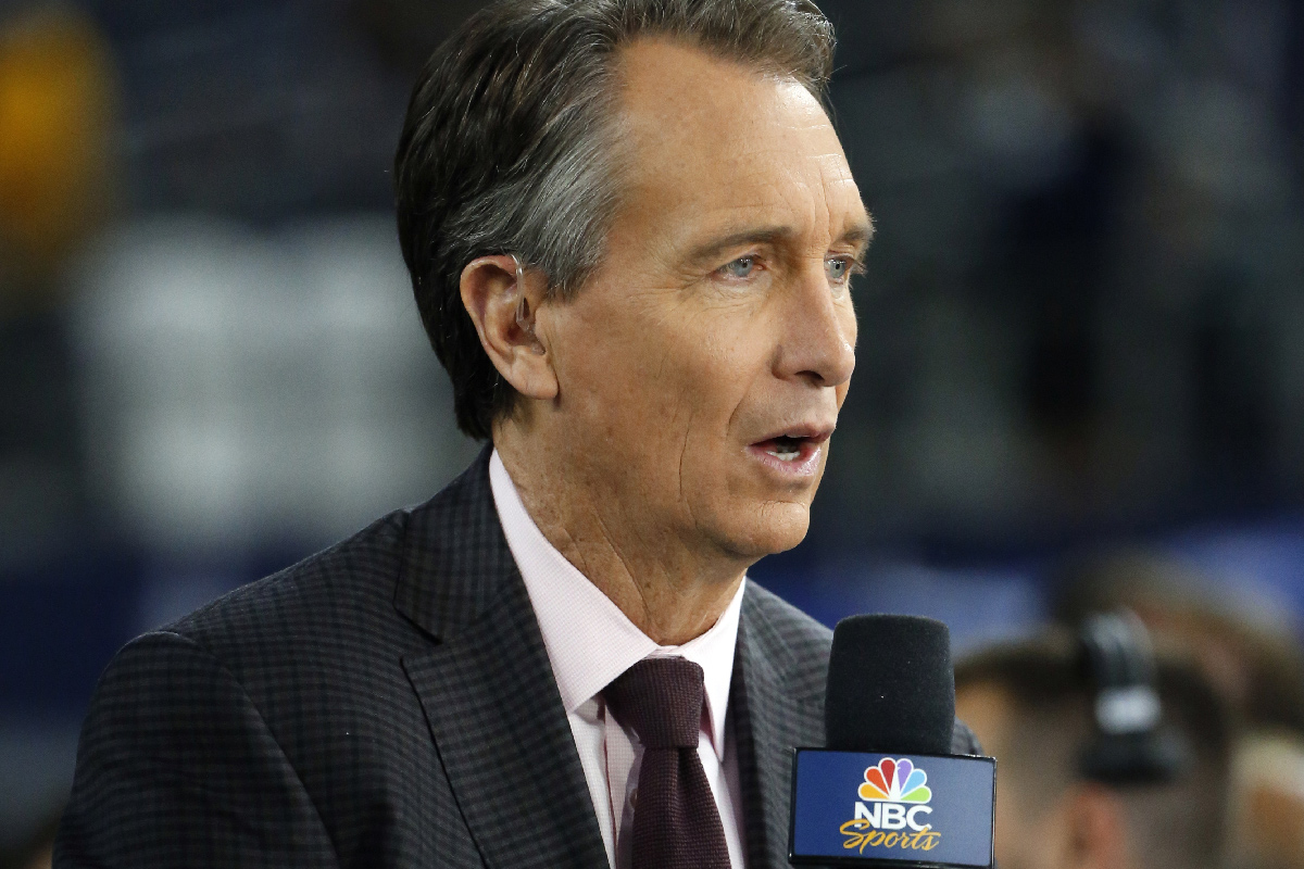 ESPN´s Jason Witten hopes to avoid the animosity NBC´s Cris Collinsworth earned among Eagles fans while calling last year´s Super Bowl, but said booing fans are just part of the game.