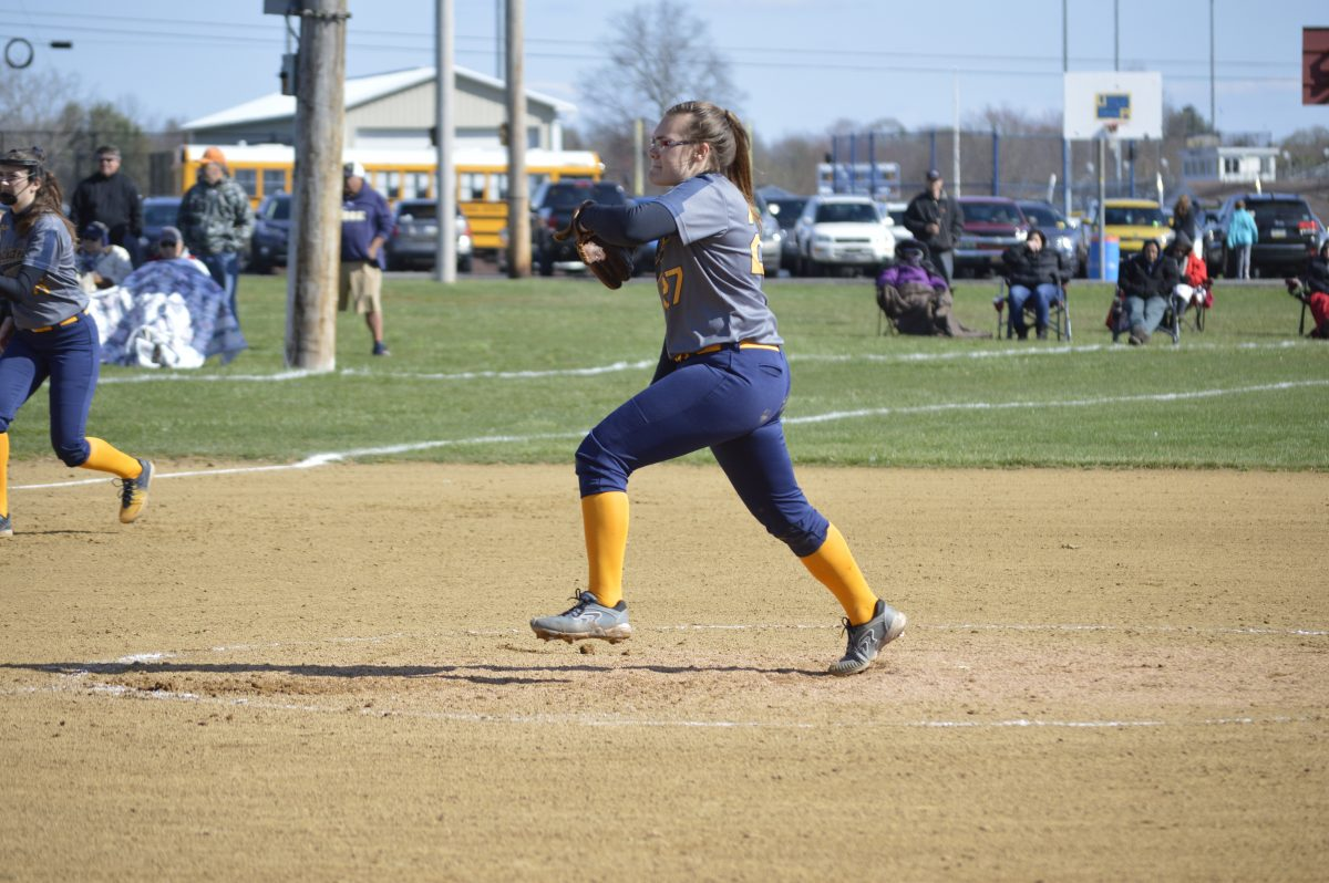Upper Perkiomen softball pitcher Taylor Lindsay.