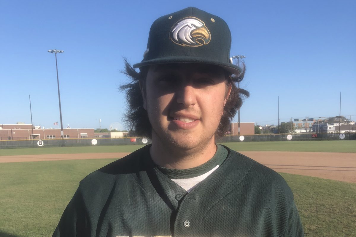 Luke Hoey delivered the decisive double on the 10th pitch of an epic at-bat in the eighth.