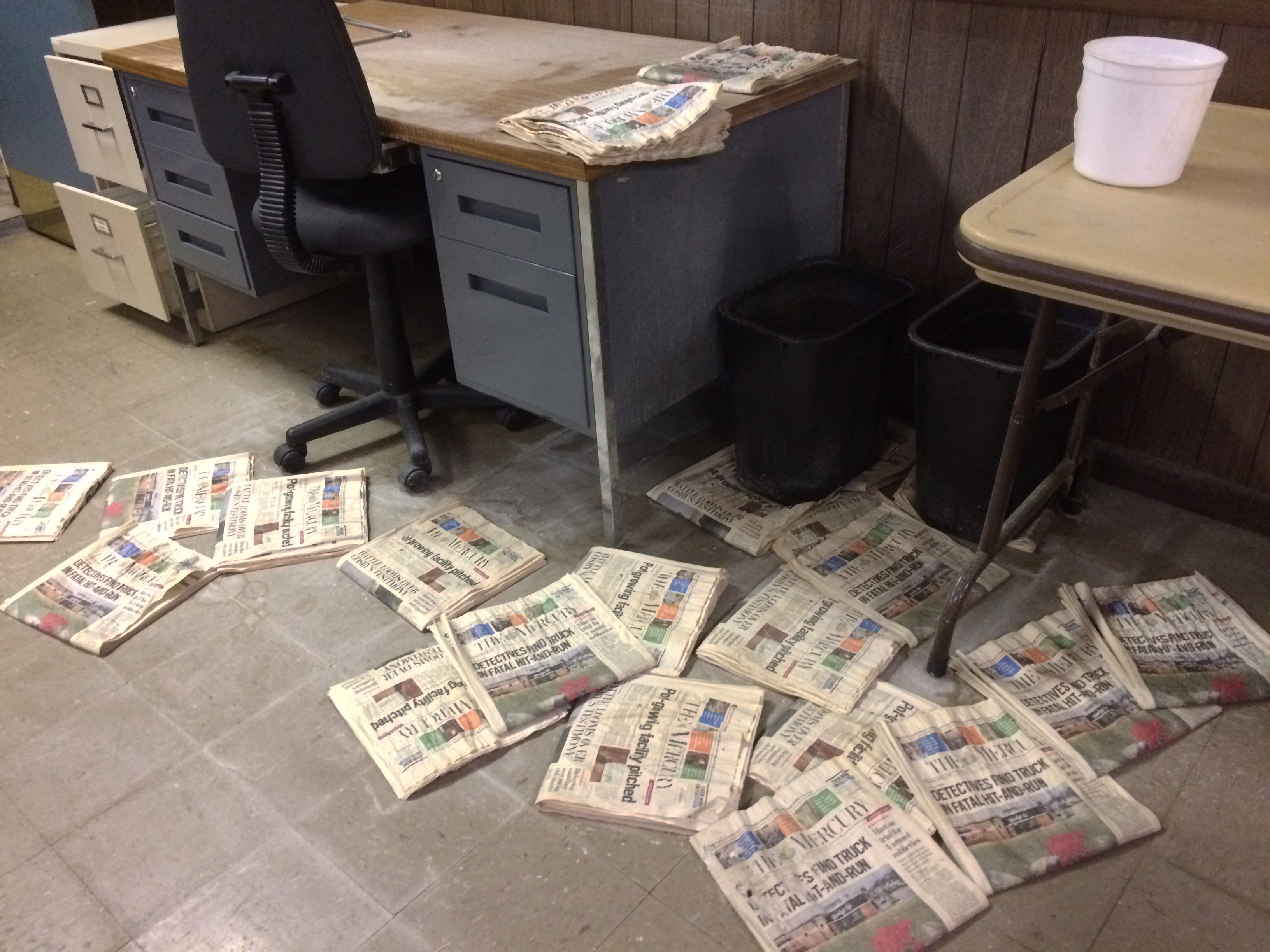 Employees have abandoned the Pottstown Mercury´s third floor because of a leaky roof.