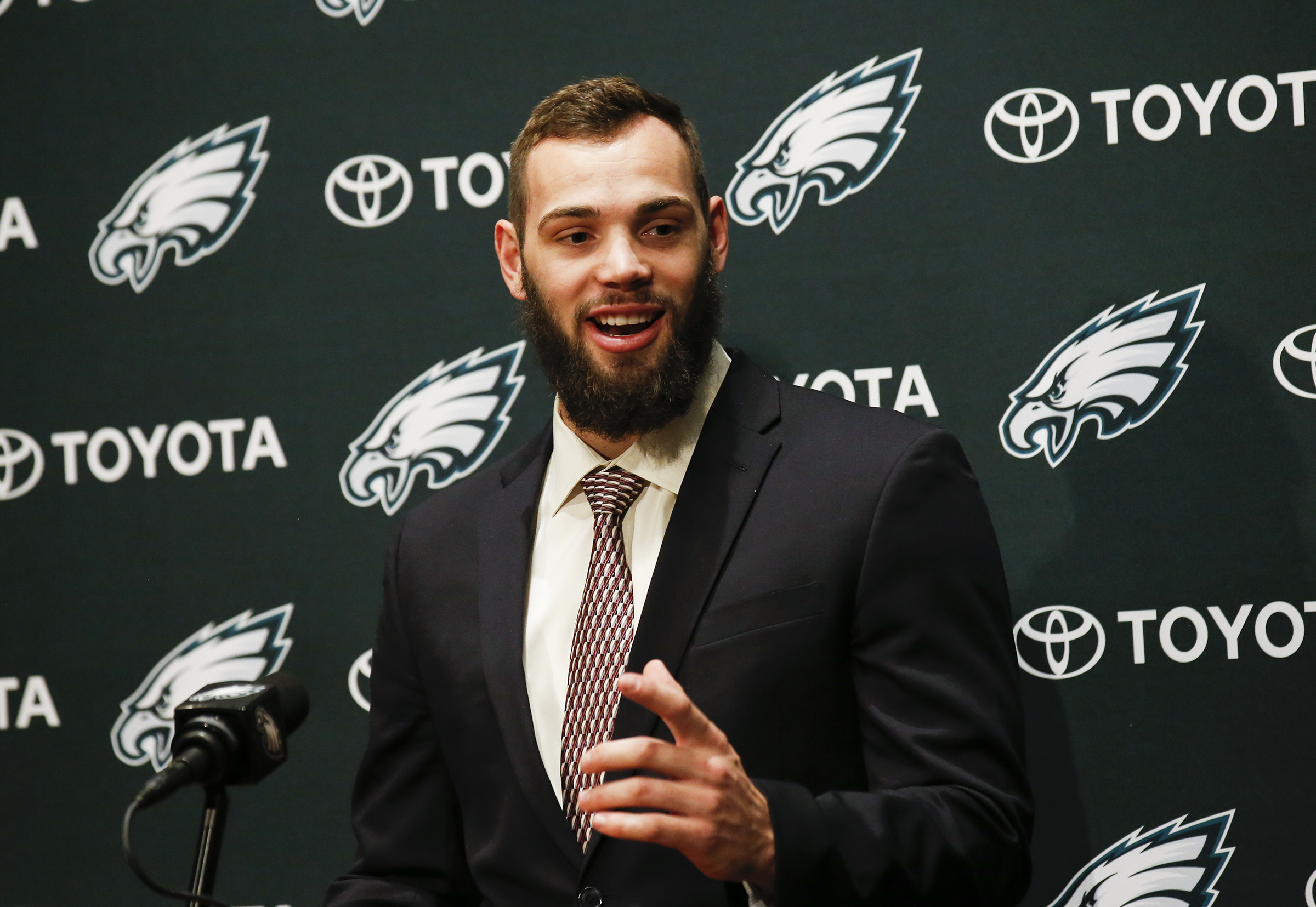 Good-natured ribbing led to rookie tight end Dallas Goedert shaving his beard for fear of looking a little too Pennsylvania Dutch.