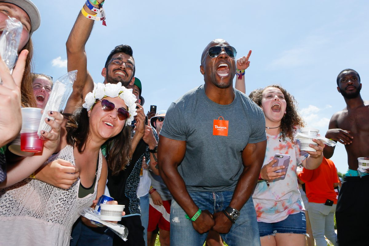 Terry Crews surprises campers with Panera bacon mac n cheese at Firefly on Saturday, June 16.