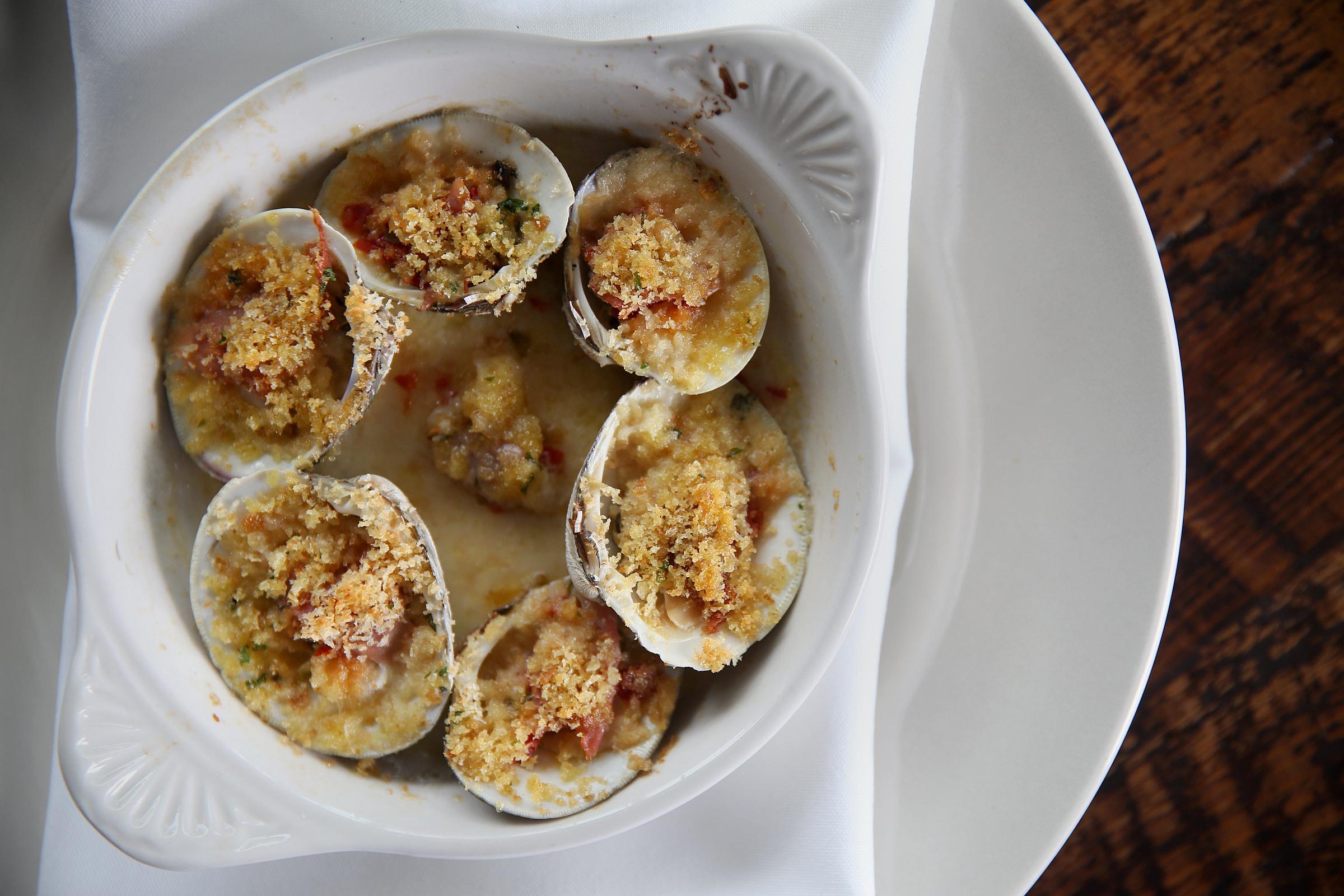 Baked clams at Mayer´s Tavern.