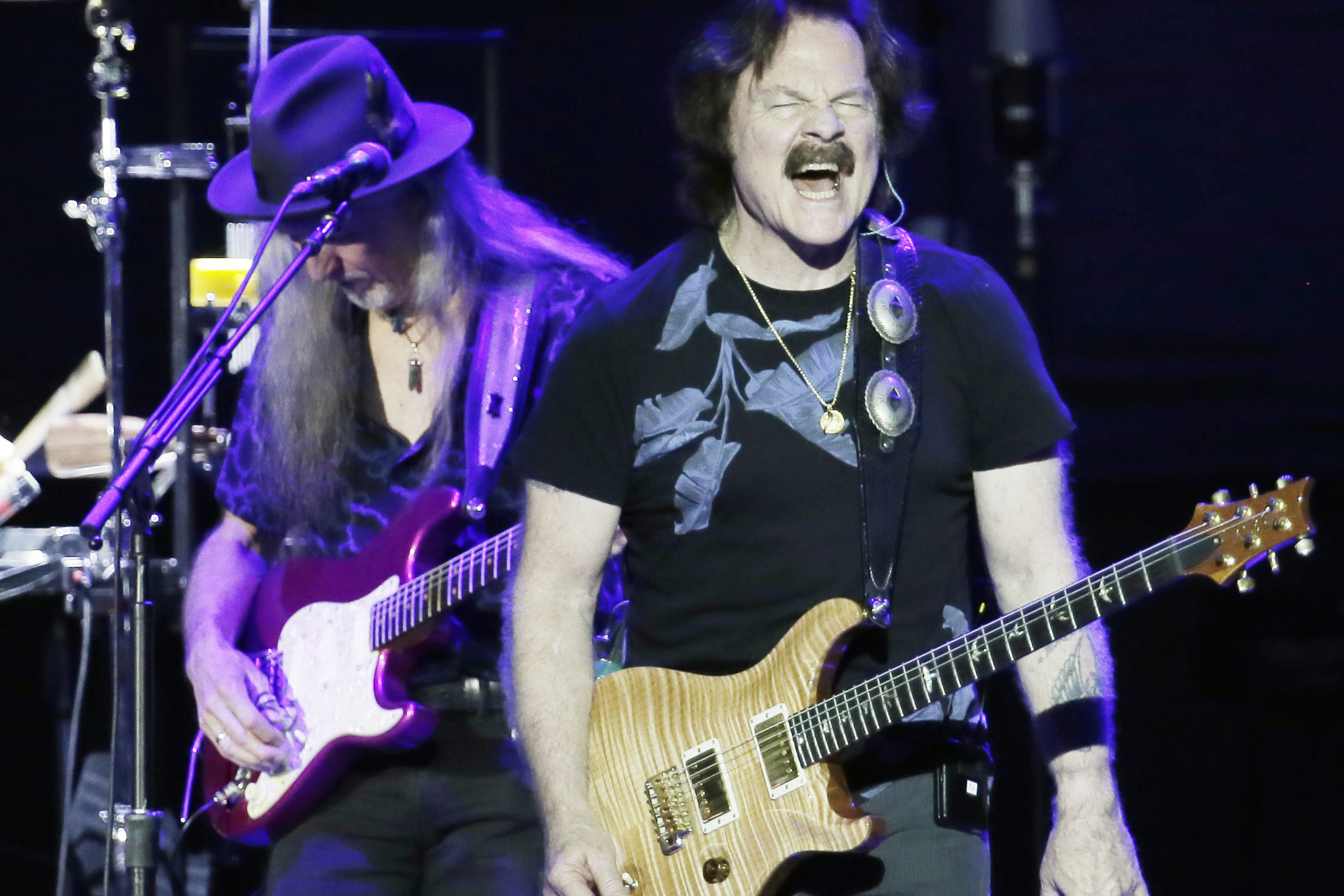 Pat Simmons (left) and Tom Johnston of the Doobie Brothers perform at the BB&T Pavilion in Camden, NJ on July 11, 2018. ELIZABETH ROBERTSON / Staff Photographer