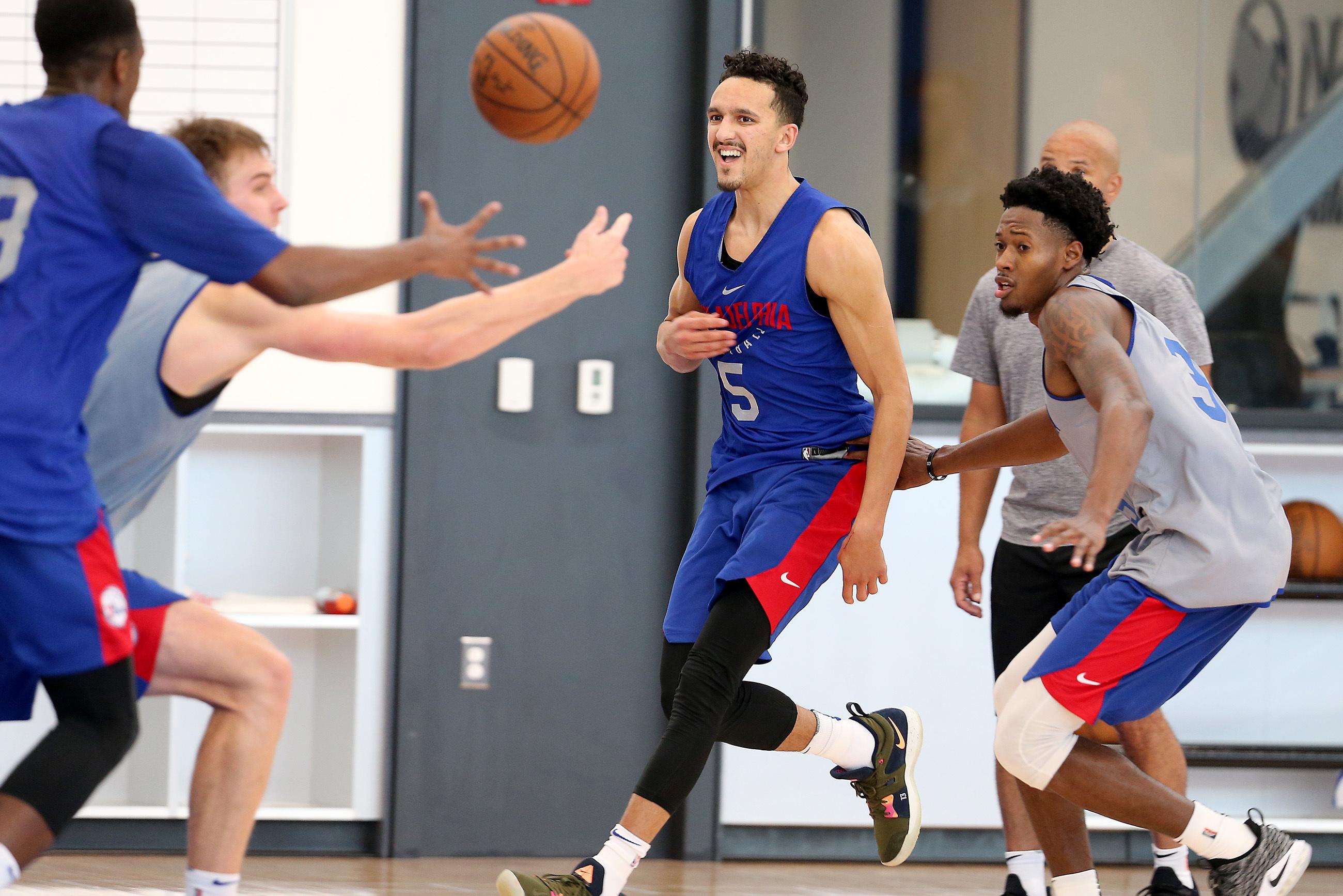 Landry Shamet, center, passes during a summer-league practice.