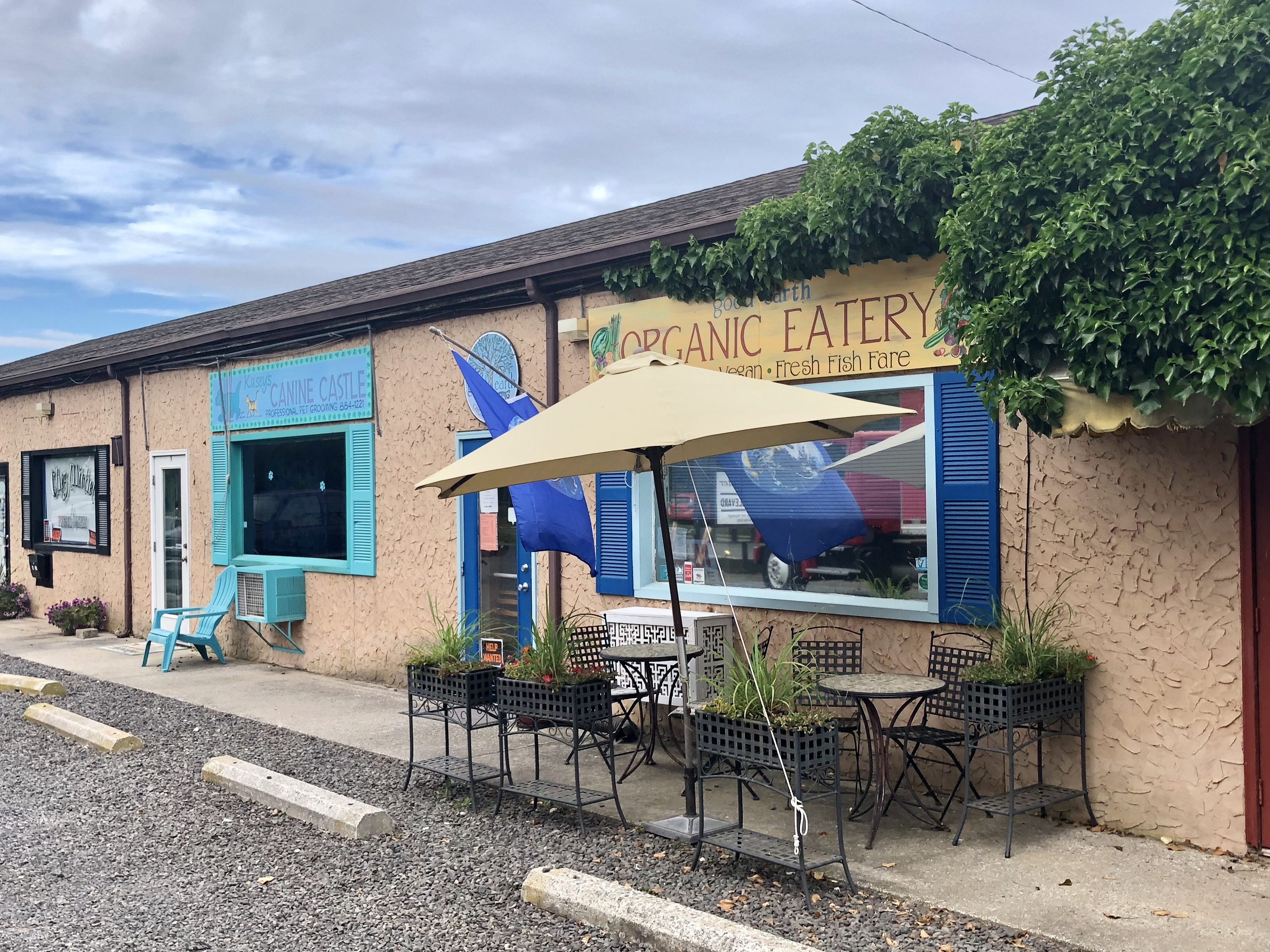 The understated exterior of Good Earth Organic Eatery in West Cape May hides a lovely dining room and open kitchen perfumed with vibrant, but unusual Italian flavors rooted in macrobiotic cuisine.