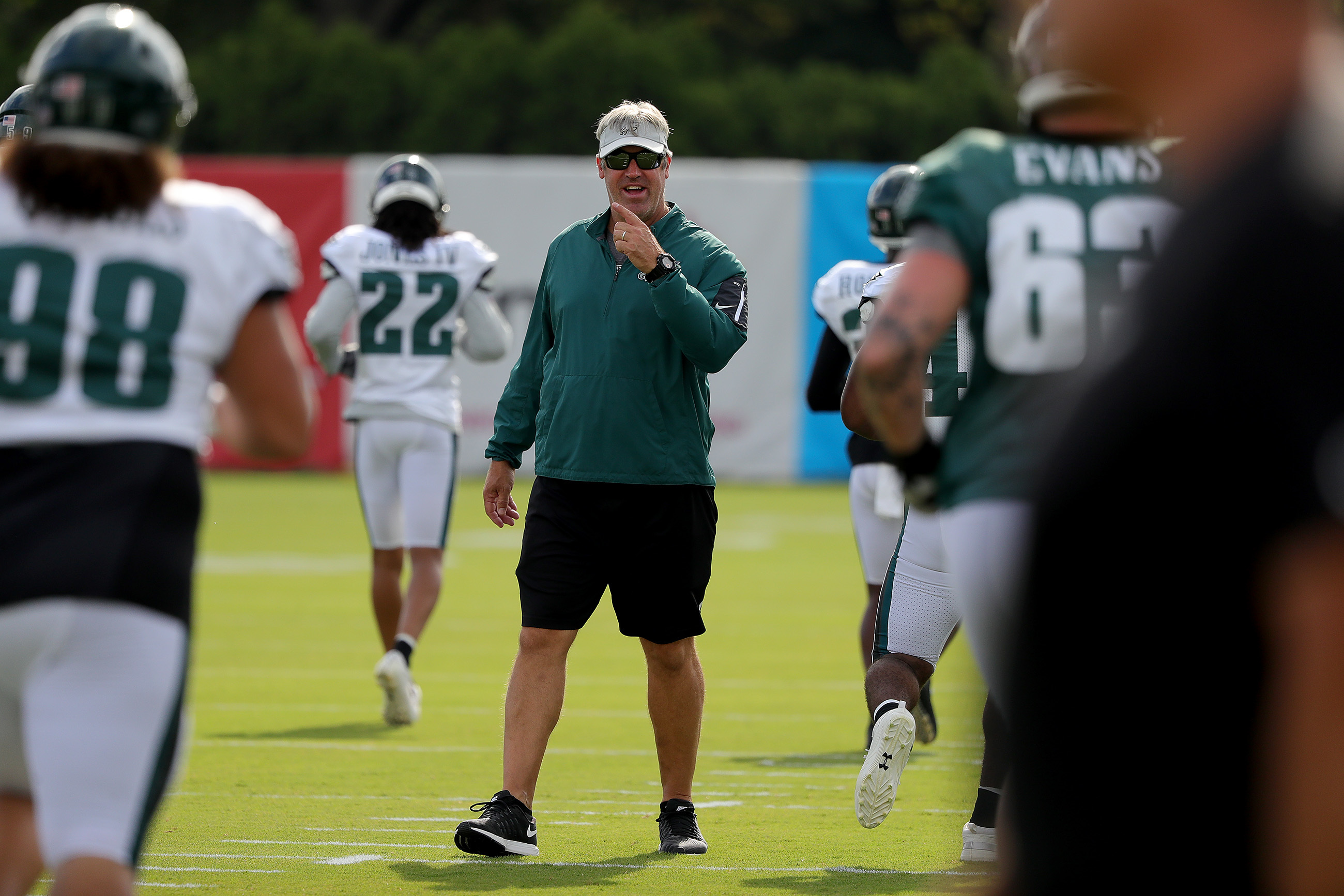Eagles' head coach Doug Pederson watches during the Philadelphia Eagles training camp at the NovaCare complex in Philadelphia, PA on July 31, 2018. DAVID MAIALETTI / Staff Photographer