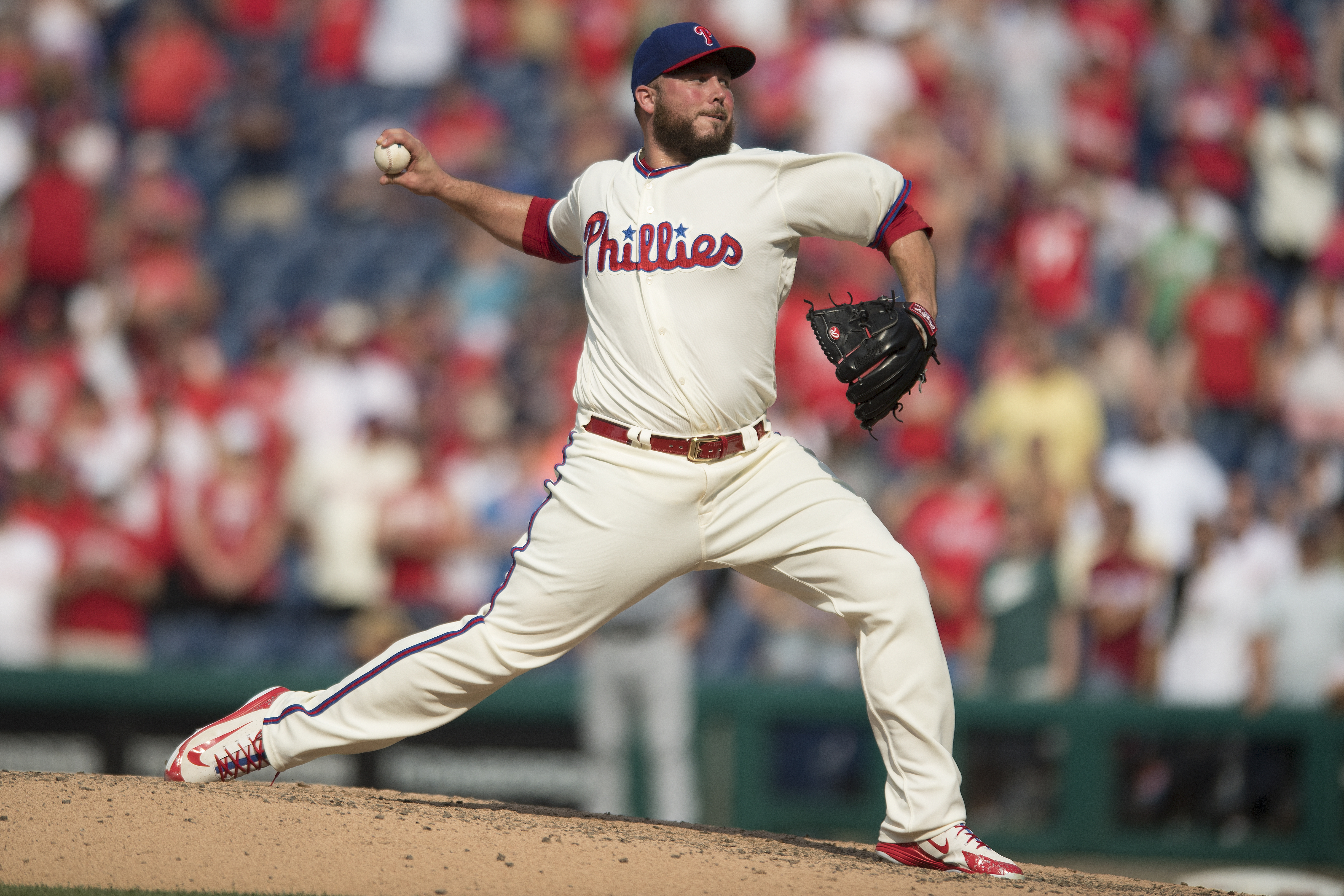 Tommy Hunter went from being a set-up man to an occasional closer with the Phillies.