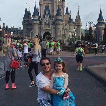 Jeffrey Mancuso and his daughter, Kayden, at Disney World in Florida in October 2017.
