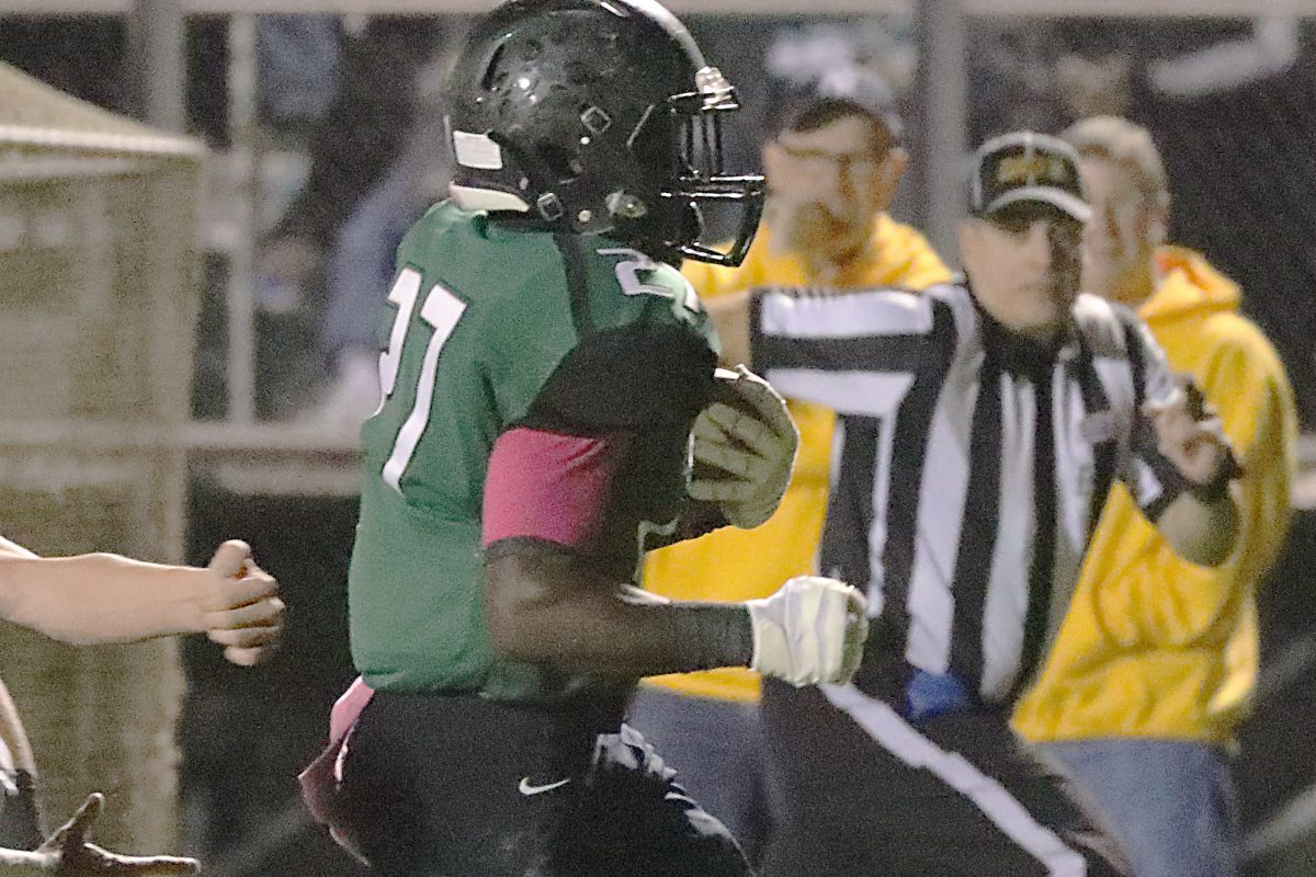 West Deptford's Tyshawn Bookman running for a touchdown in last year's regular-season victory over Haddonfield.