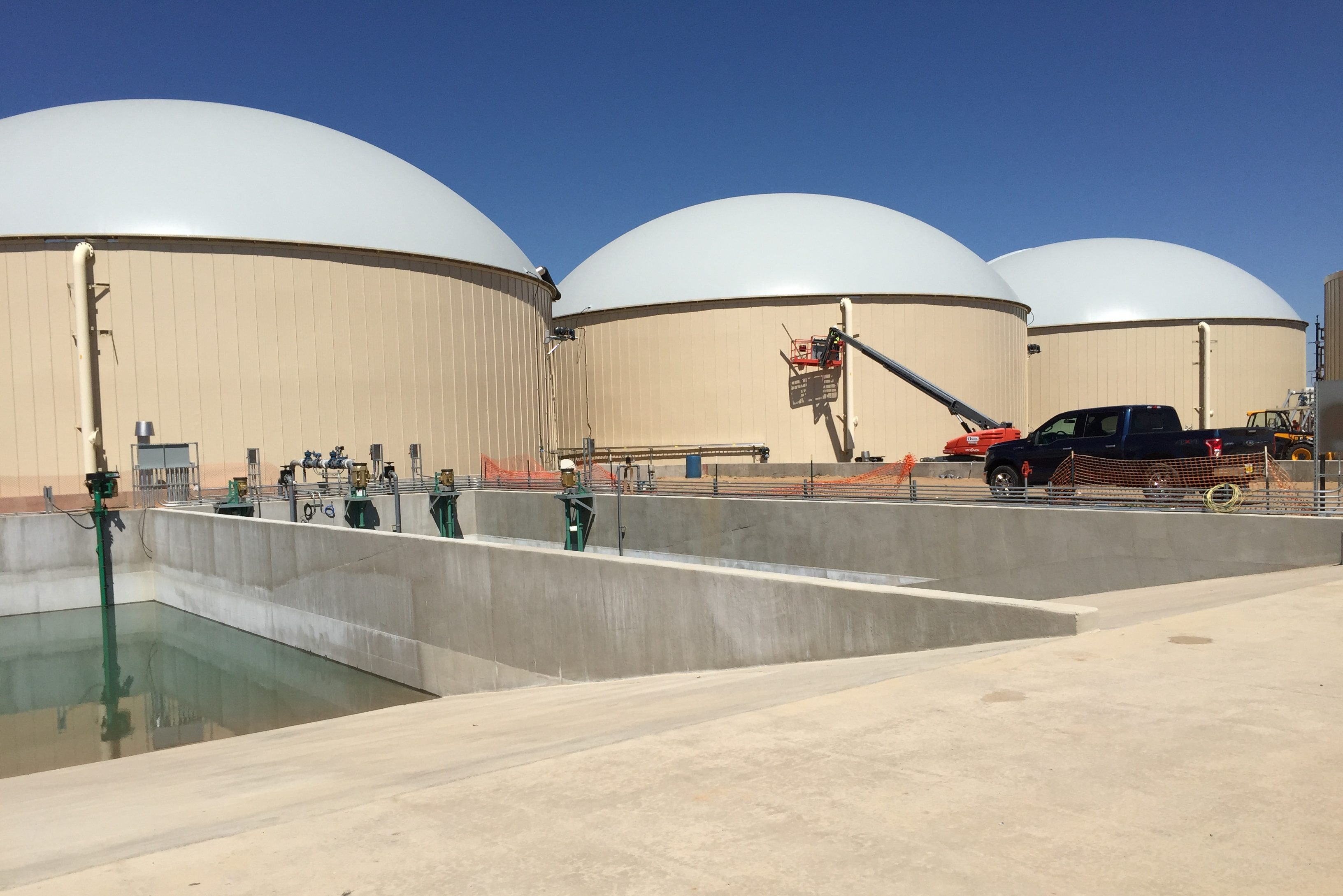 RNG Energy Solutions has formed a joint venture with Philadelphia Energy Solutions, called Point Breeze Renewable Energy, to produce biogas from food waste for use as a transportation fuel. The company´s Heartland Biogas Project near Denver, shown here, converts organic waste into methane gas.