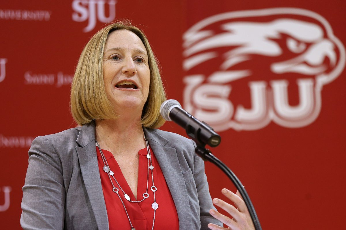 Saint Joseph´s athletic director Jill Bodensteiner is launching a podcast.
