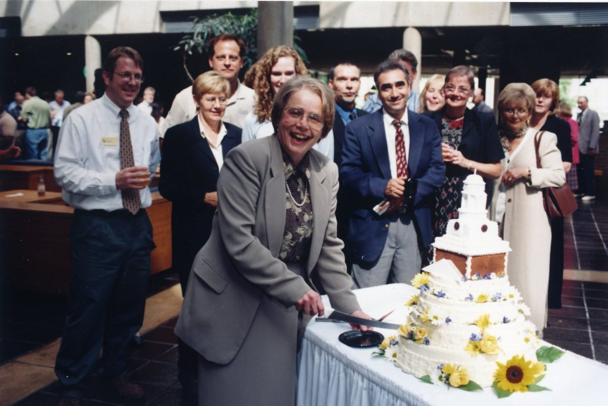 R. Barbara Gitenstein cuts a cake in Brower Student Center at a reception following her inauguration as president of the College of New Jersey on Oct. 8, 1999.