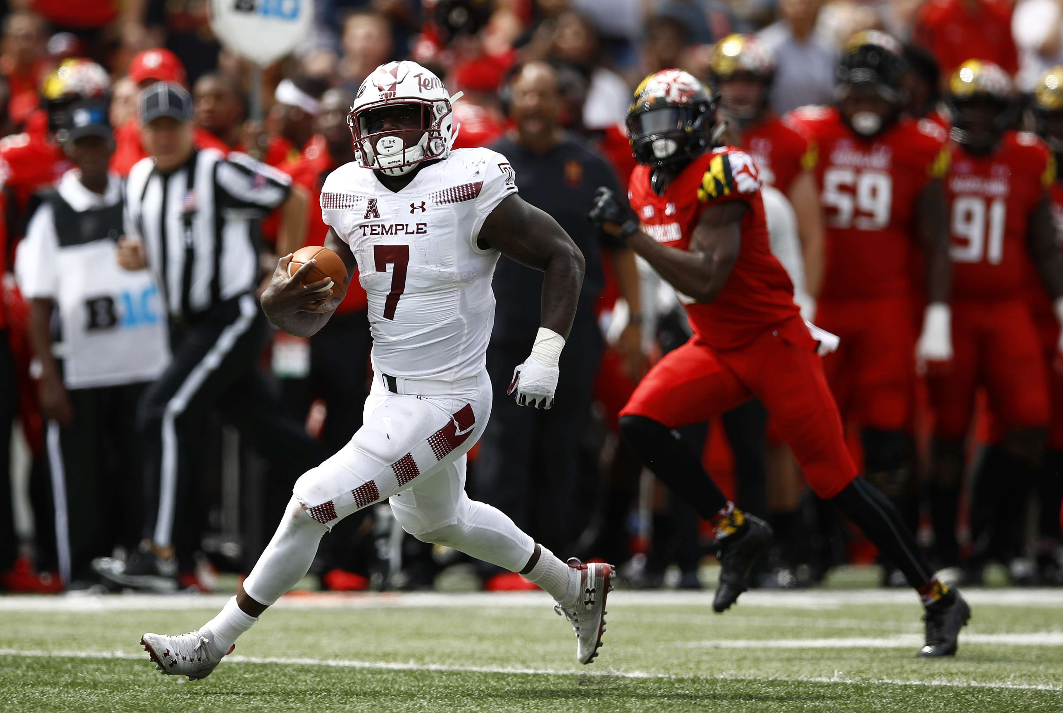 Temple running back Ryquell Armstead rushes for a first down in the first half of an NCAA college football game against Maryland, Saturday, Sept. 15, 2018, in College Park, Md. (AP Photo/Patrick Semansky)