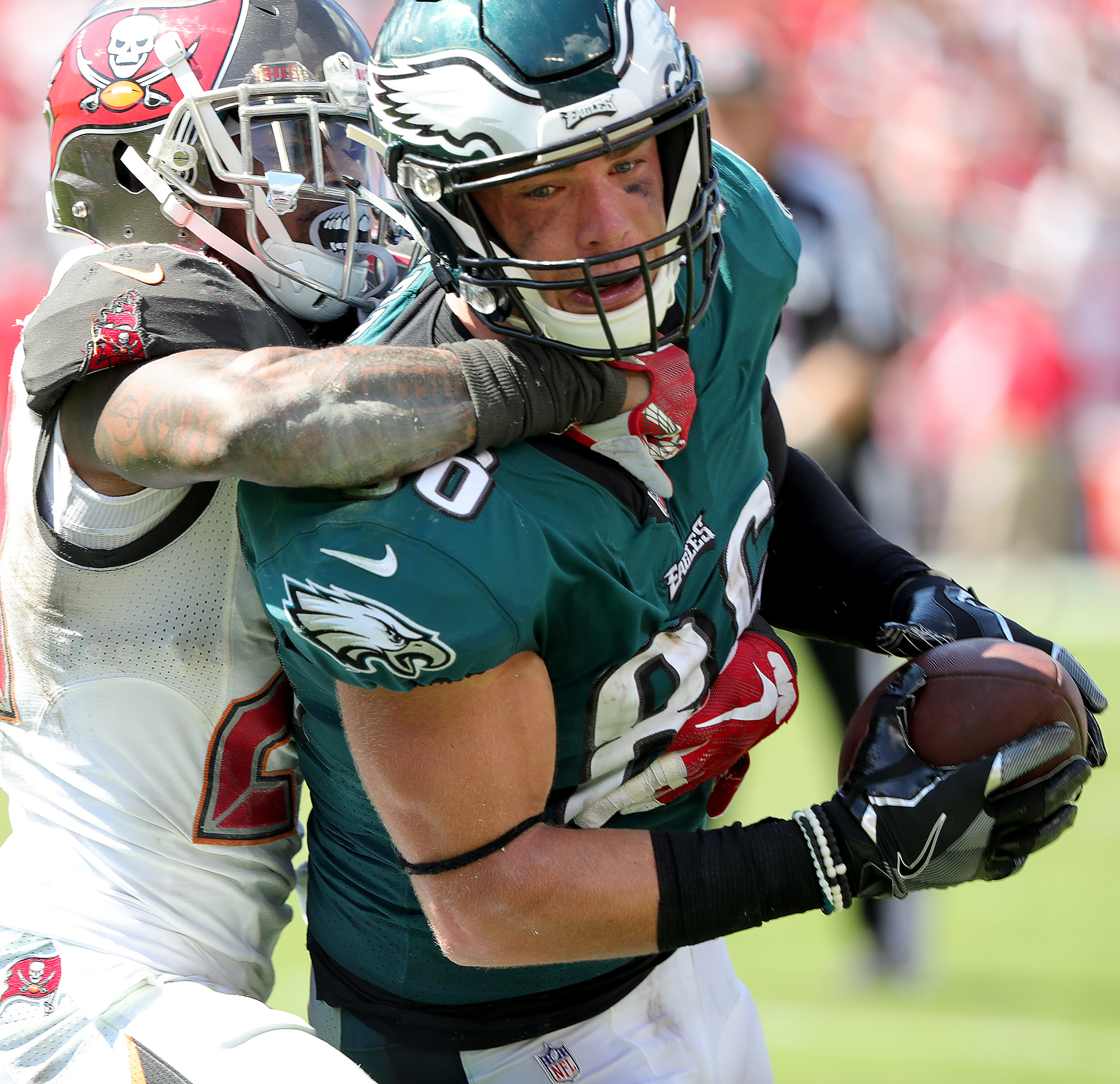 Zach Ertz and Nick Foles didn�t connect on Doug Pederson�s gutsy fourth-and-4 call, but Pederson isn�t bothered by trying.