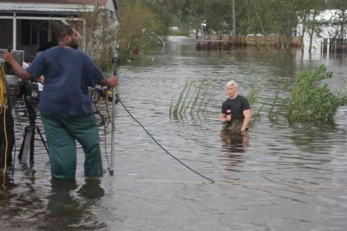 This photo of CNN host Anderson Cooper in Texas in 2008 reporting about Hurricane Ike was widely shared on social media by Donald Trump Jr. and other allies of President Trump in another attempt to discredit the network.