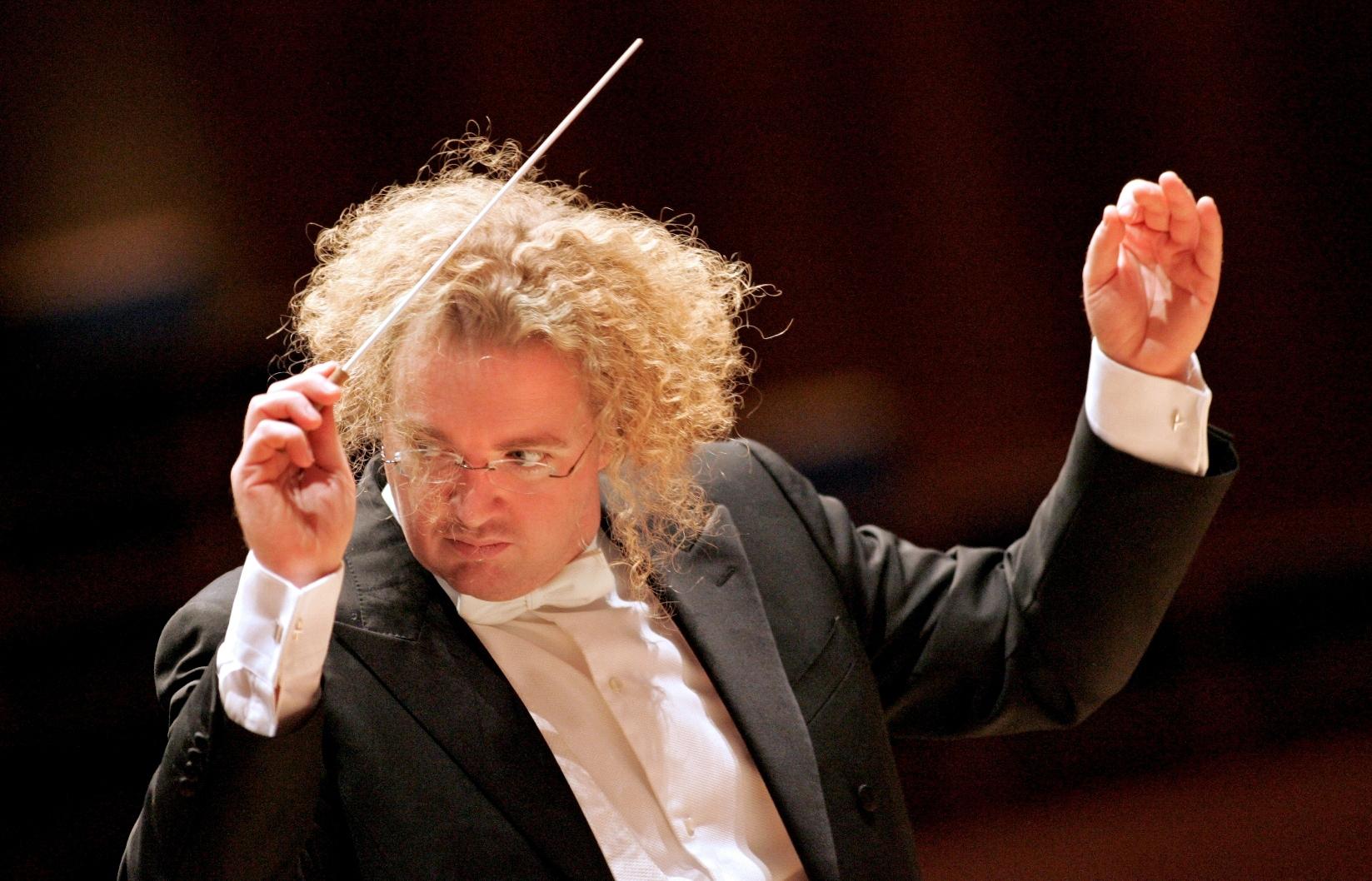 Conductor Stéphane Denève