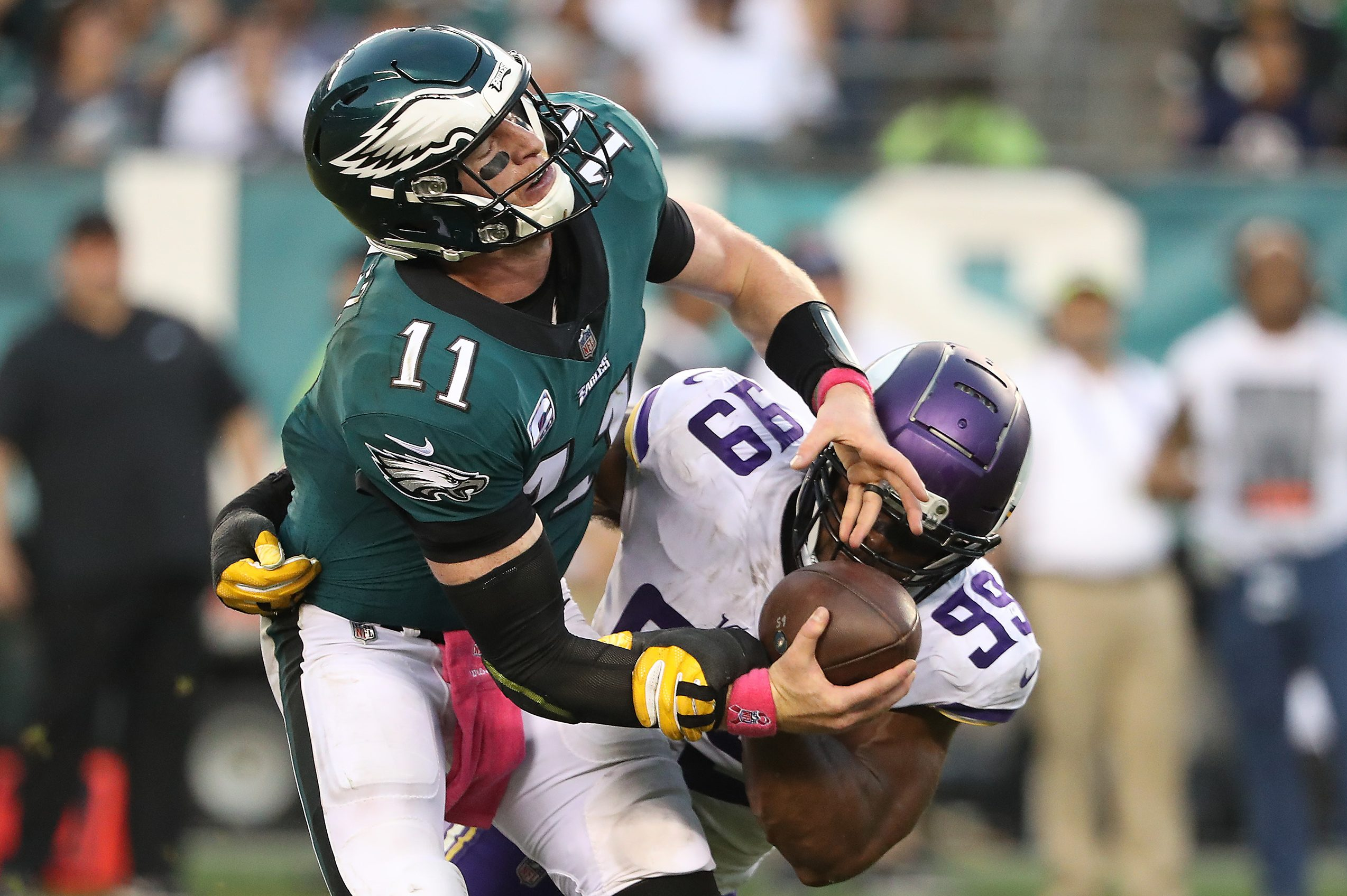 Carson Wentz is sacked by the Vikings´ Danielle Hunter in the third quarter of Sunday´s game.