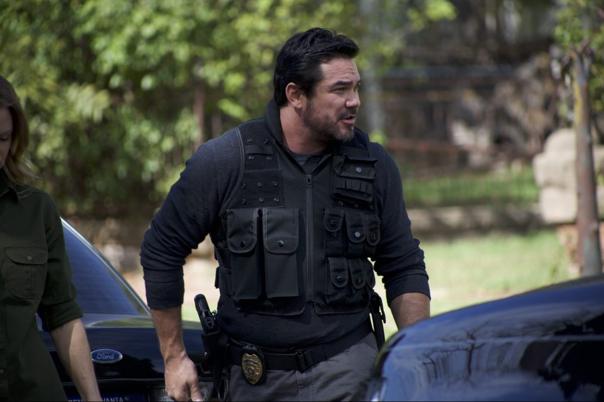 Dean Cain as Detective James Woods in ´Gosnell´