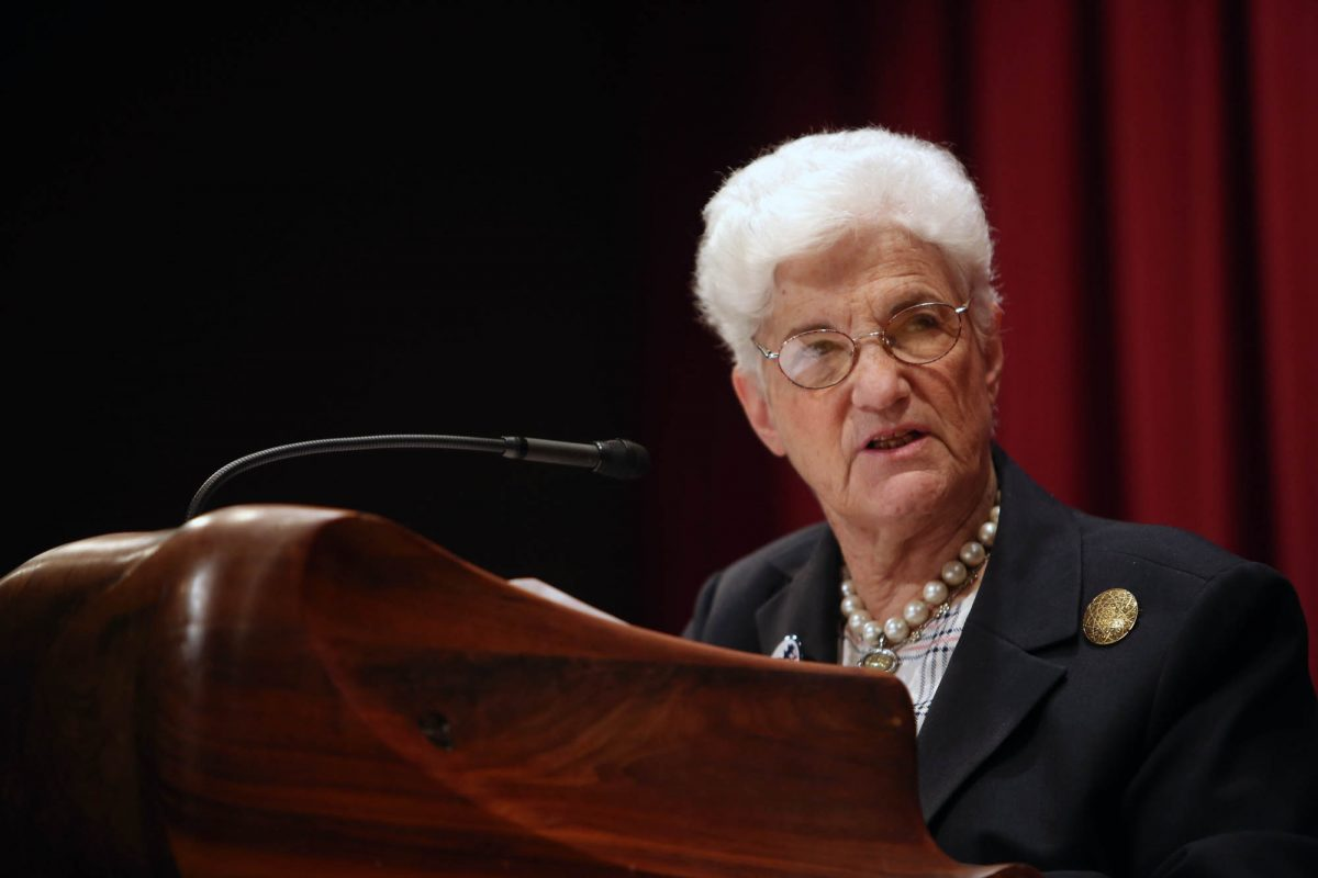 Lynne Abraham, who served 18 years as Philadelphia's district attorney, wants to return to the post for the rest of 2017.