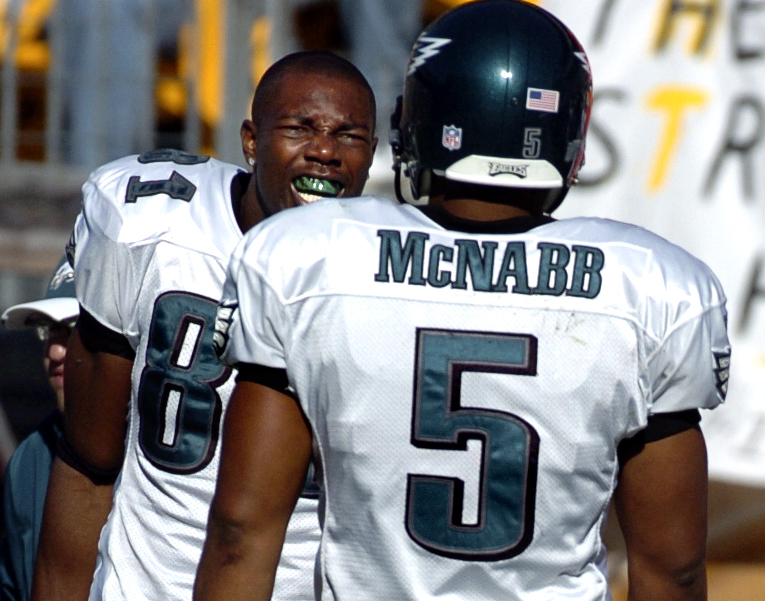 The conflict between Terrell Owens (left) and Donovan McNabb was part of why the Eagles imploded in 2005, but it wasn´t the primary reason.