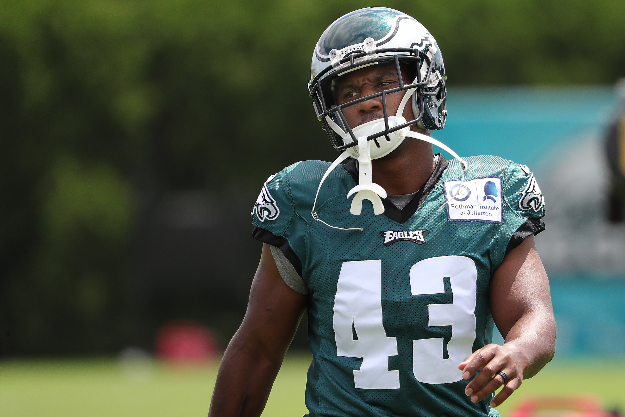 Darren Sproles could be the spark the Eagles´ offense needs, but can they count on it enough to pass on adding firepower at the deadline?