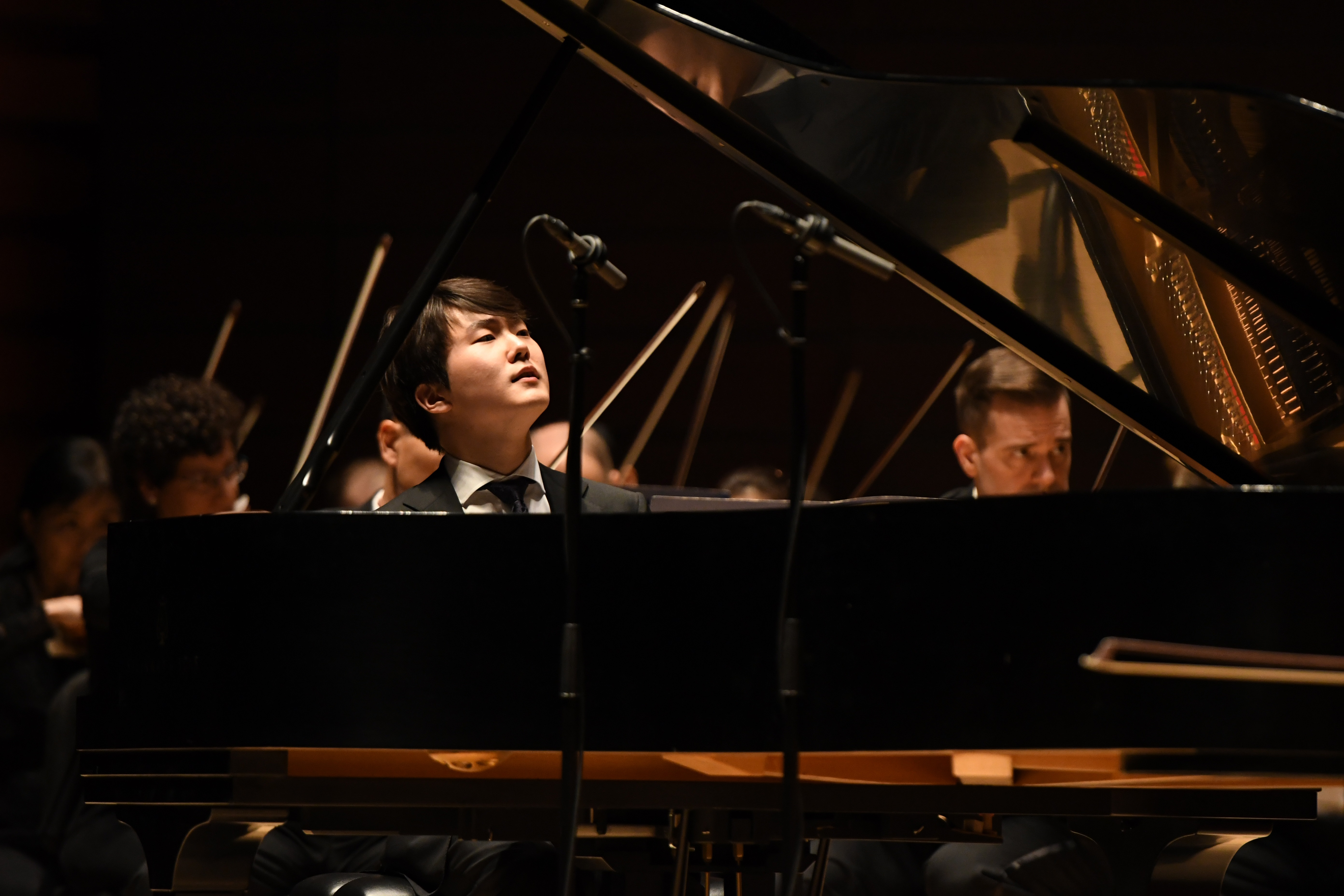 Pianist Seong-Jin Cho Thursday night at Verizon Hall in the Mozart D Minor piano concerto with the Philadelphia Orchestra.