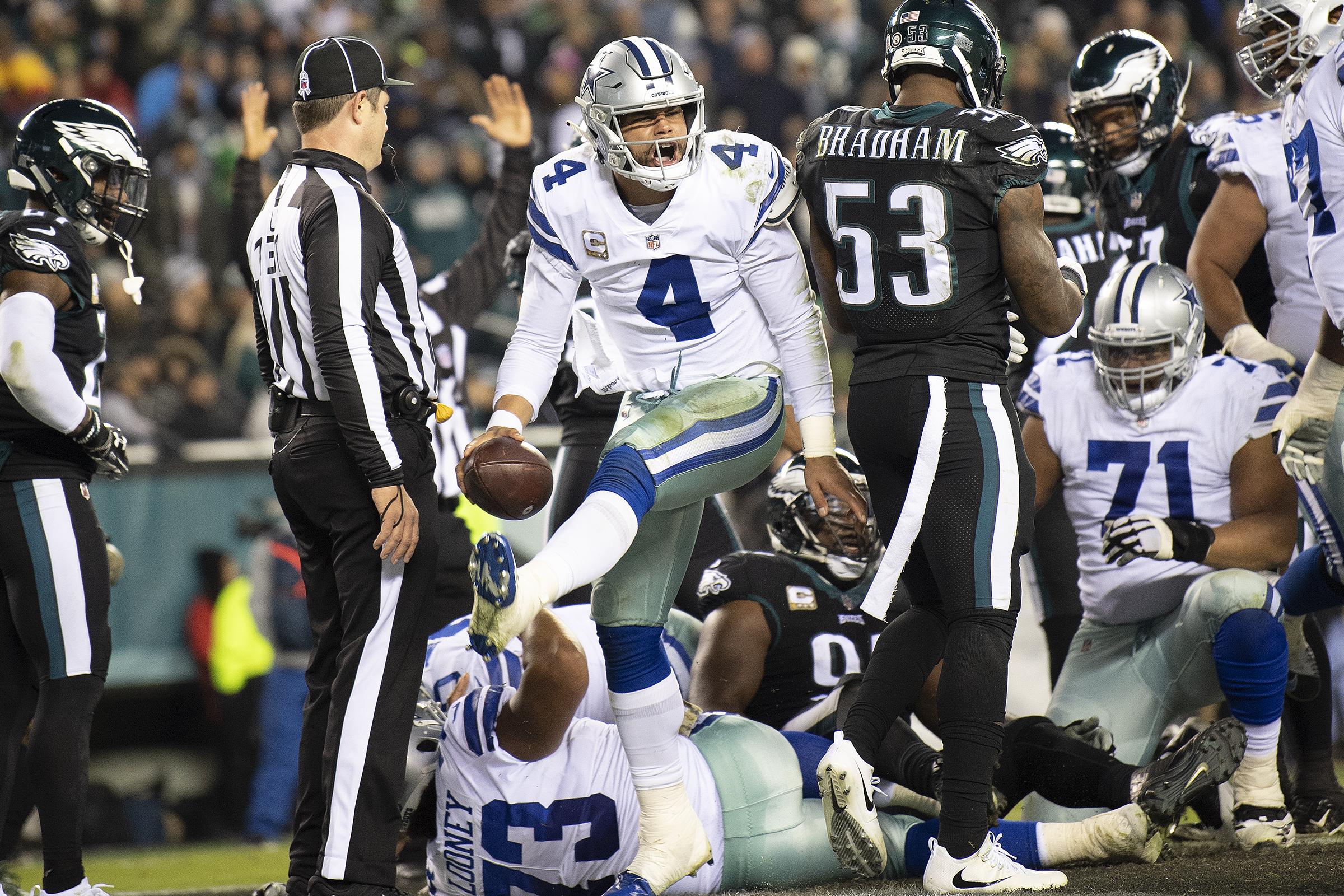 Cowboys quarterback Dak Prescott wasn´t sacked after halftime Sunday night.