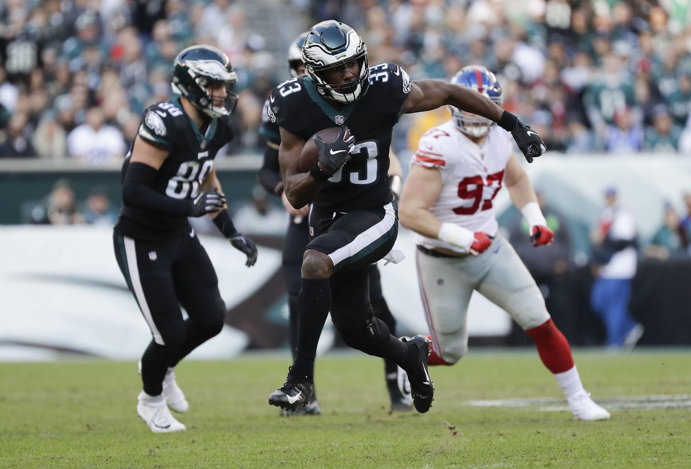 Eagles running back Josh Adams runs with the football against the New York Giants on Sunday, November 25, 2018 in Philadelphia.