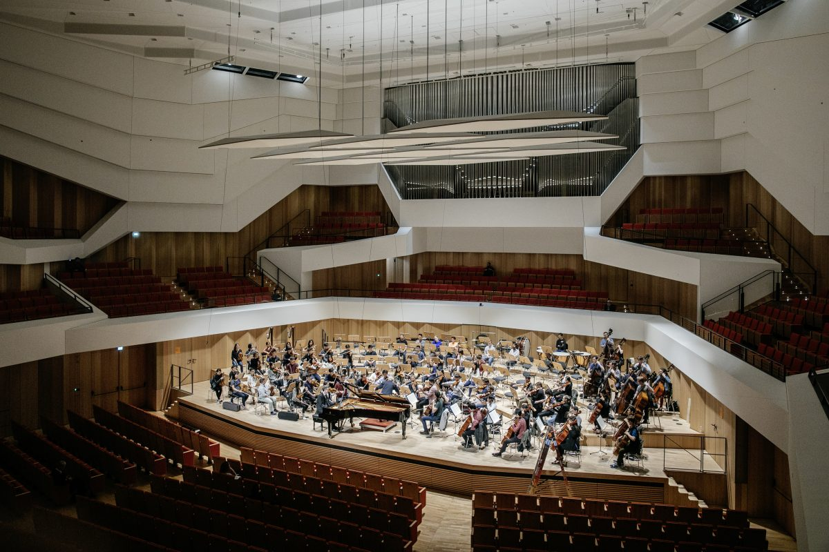 The Curtis Symphony Orchestra at rehearsal Wednesday in Dresden's newly renovated Kulturpalast prior to its evening concert. (Photo: Oliver Killig)