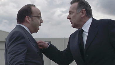 """Paul Giamatti and Tom Wilkinson as the duelling CEOS in """"Duplicity,"""" a movie with a lot of flashback-and-forth."""