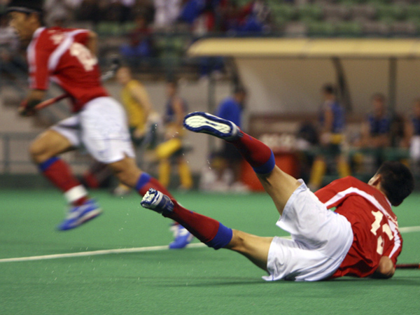 Athletes in contact sports like field hockey are more prone to concussions. (istockphoto.com)