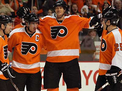 The Flyers will try to start the season 4-0, the first time since 1995, when they welcome the Penguins to the Wachovia Center tonight.