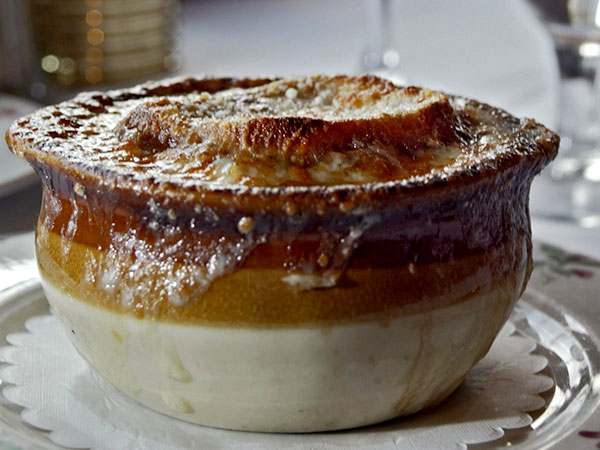 French onion Soup. (DAVID M WARREN / Inquirer File Photo)