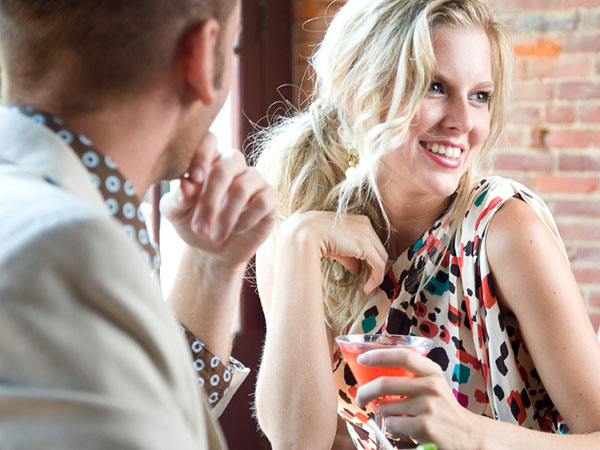 Don´t be passive about rejecting a guy at a bar. (istock photo)